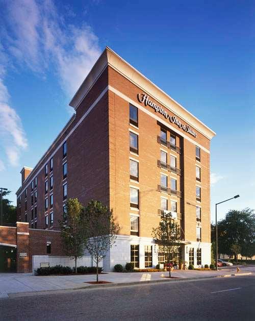 Hampton Inn & Suites Knoxville-Downtown image 3