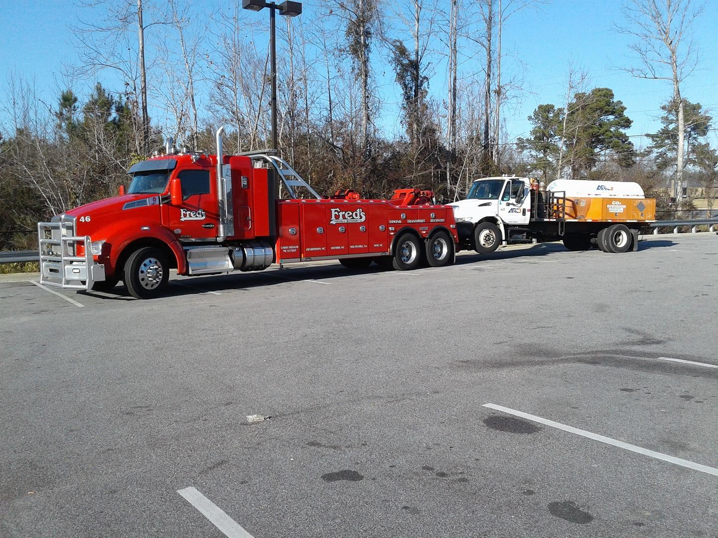 Fred's Towing & Transport image 9