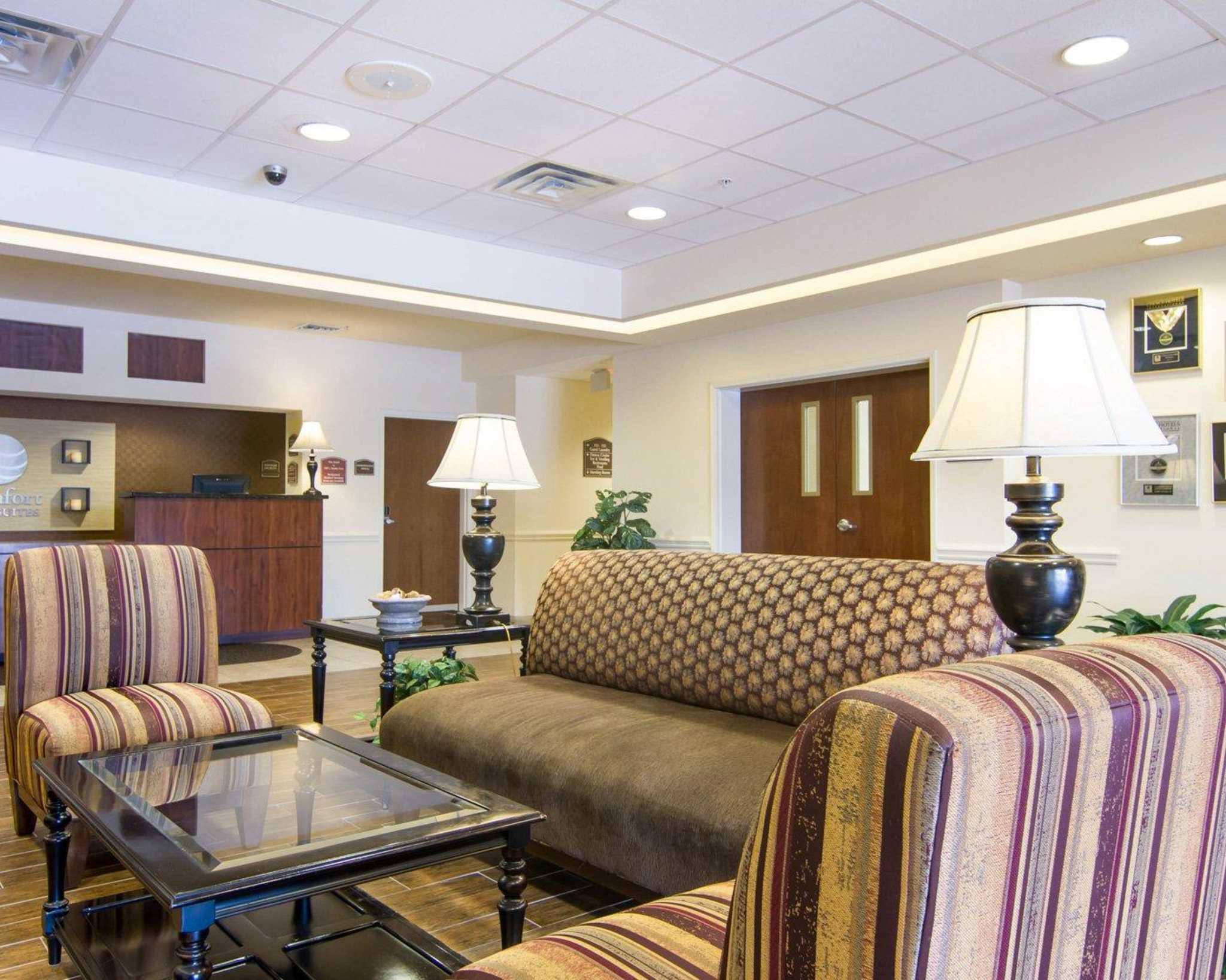Comfort Inn & Suites Airport image 13
