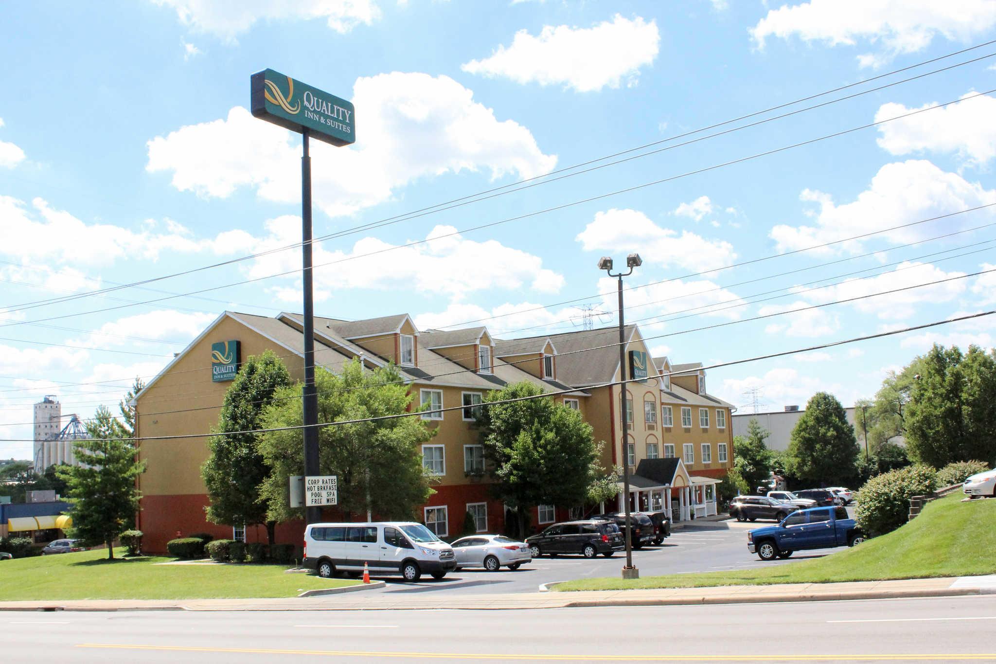 Quality Inn Suites Cincinnati Sharonville At 2463 East