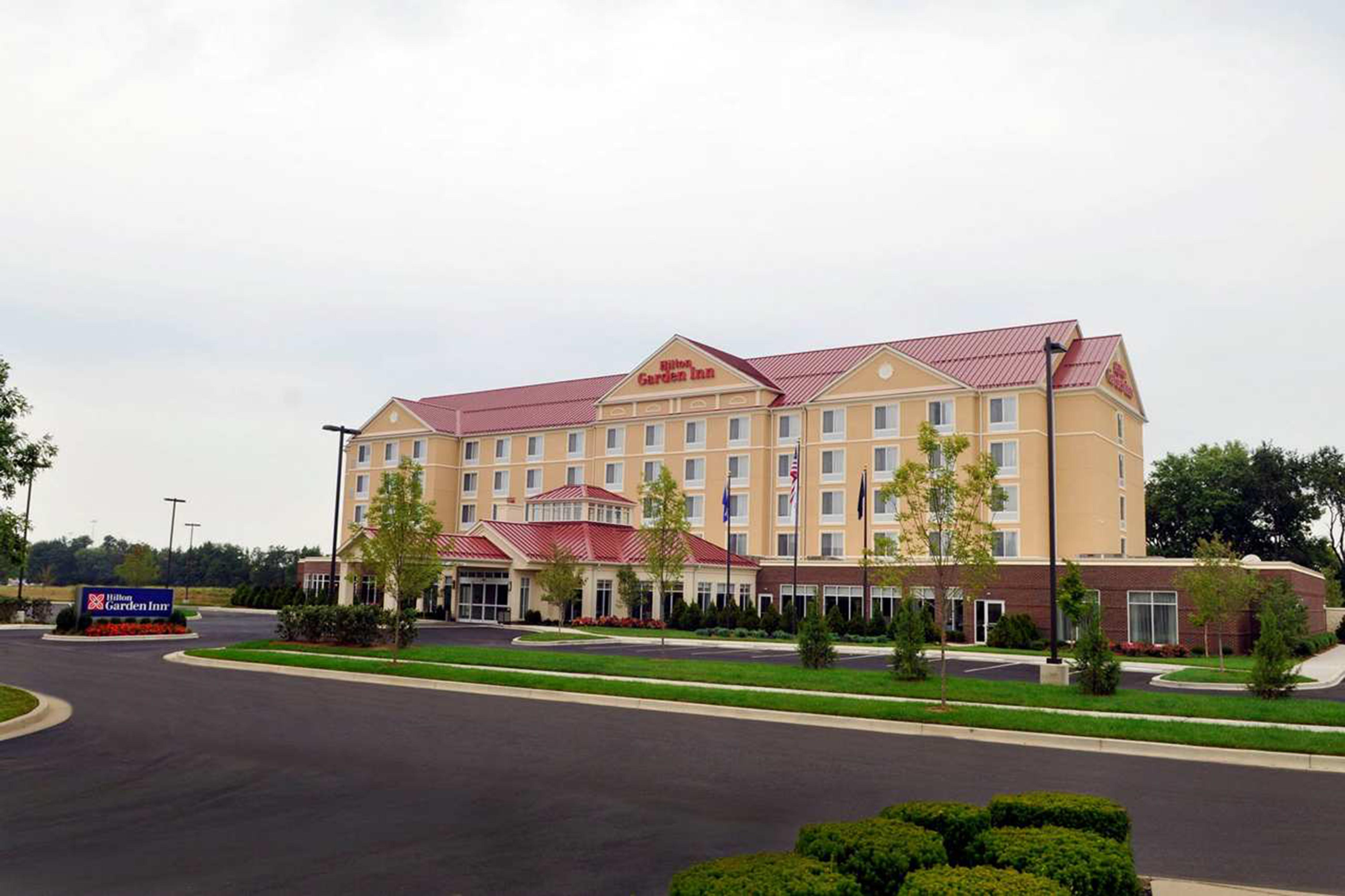Hilton Garden Inn Louisville Northeast In Louisville, Ky. Bamboo Room Dividers. Casual Living Rooms. High School Graduation Decoration Ideas. Decorative Spotlights Outdoor. Cheap Wedding Decorations Online. Lantern Decorations. Outdoor Sun Decor. Great Room Ceiling Fans