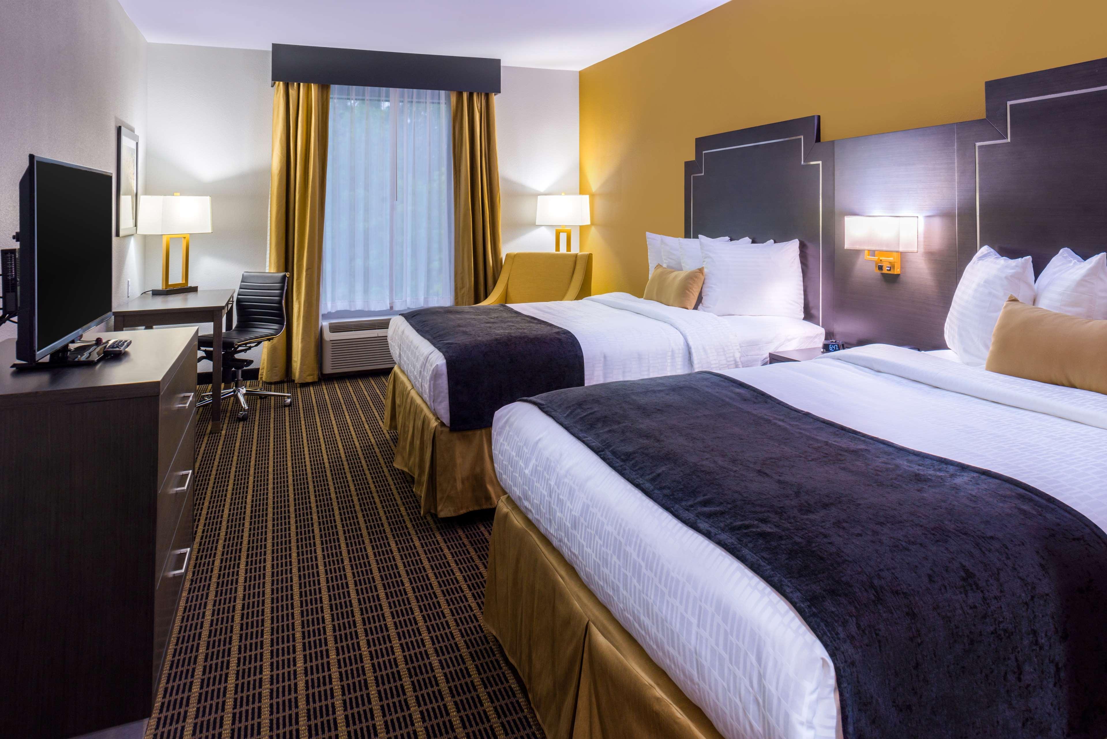 Best Western Plus Regency Park Hotel image 43