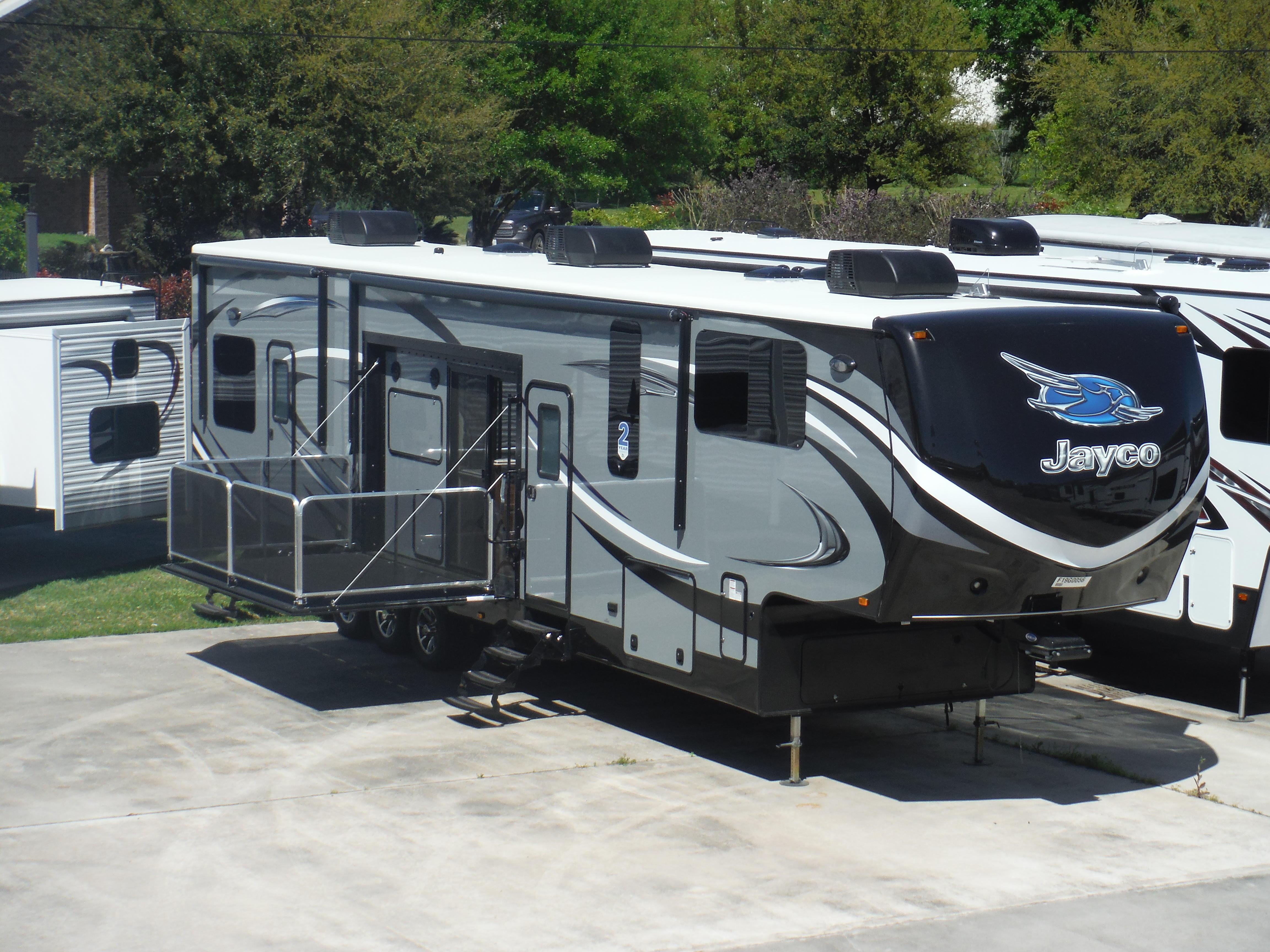 Lone Star RV Houston North image 3