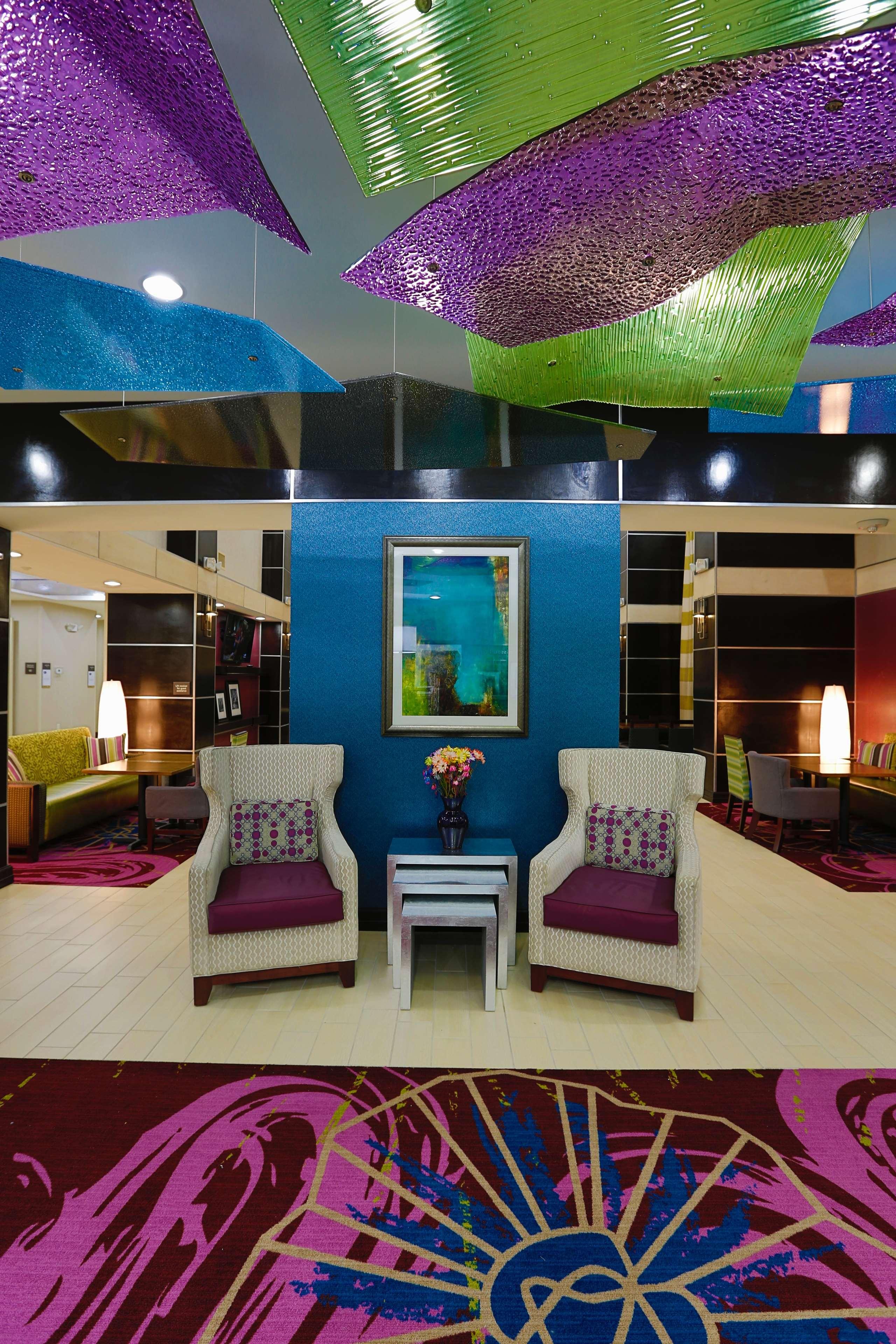 Hampton Inn & Suites Missouri City, TX image 9