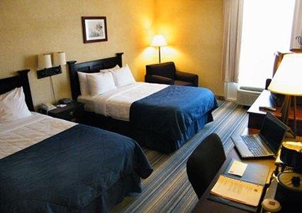Clarion in VA Williamsburg 23185 Clarion Hotel Historic District 351 York Street  (757)229-4100
