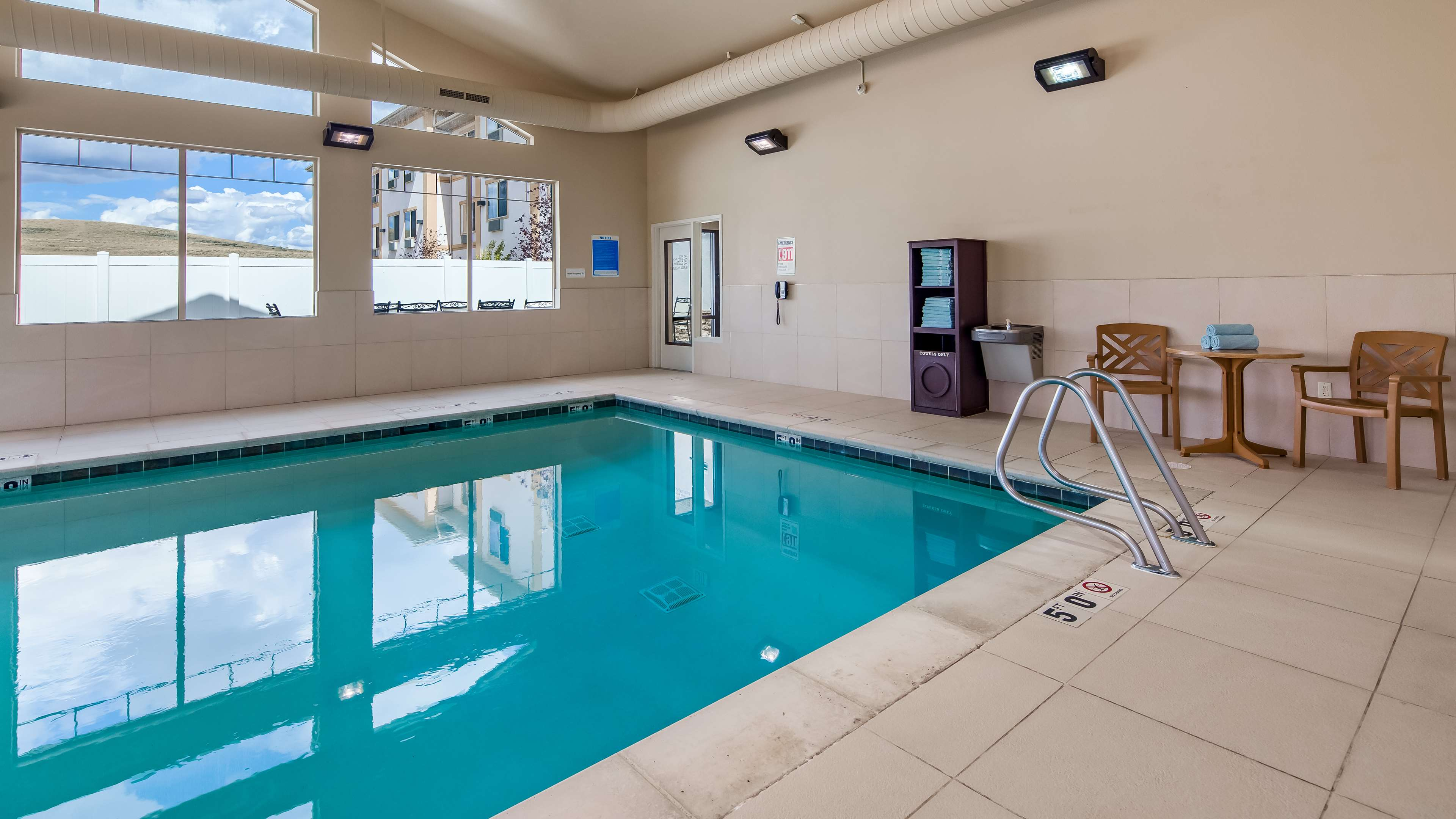 Best Western Plus Fossil Country Inn & Suites image 8