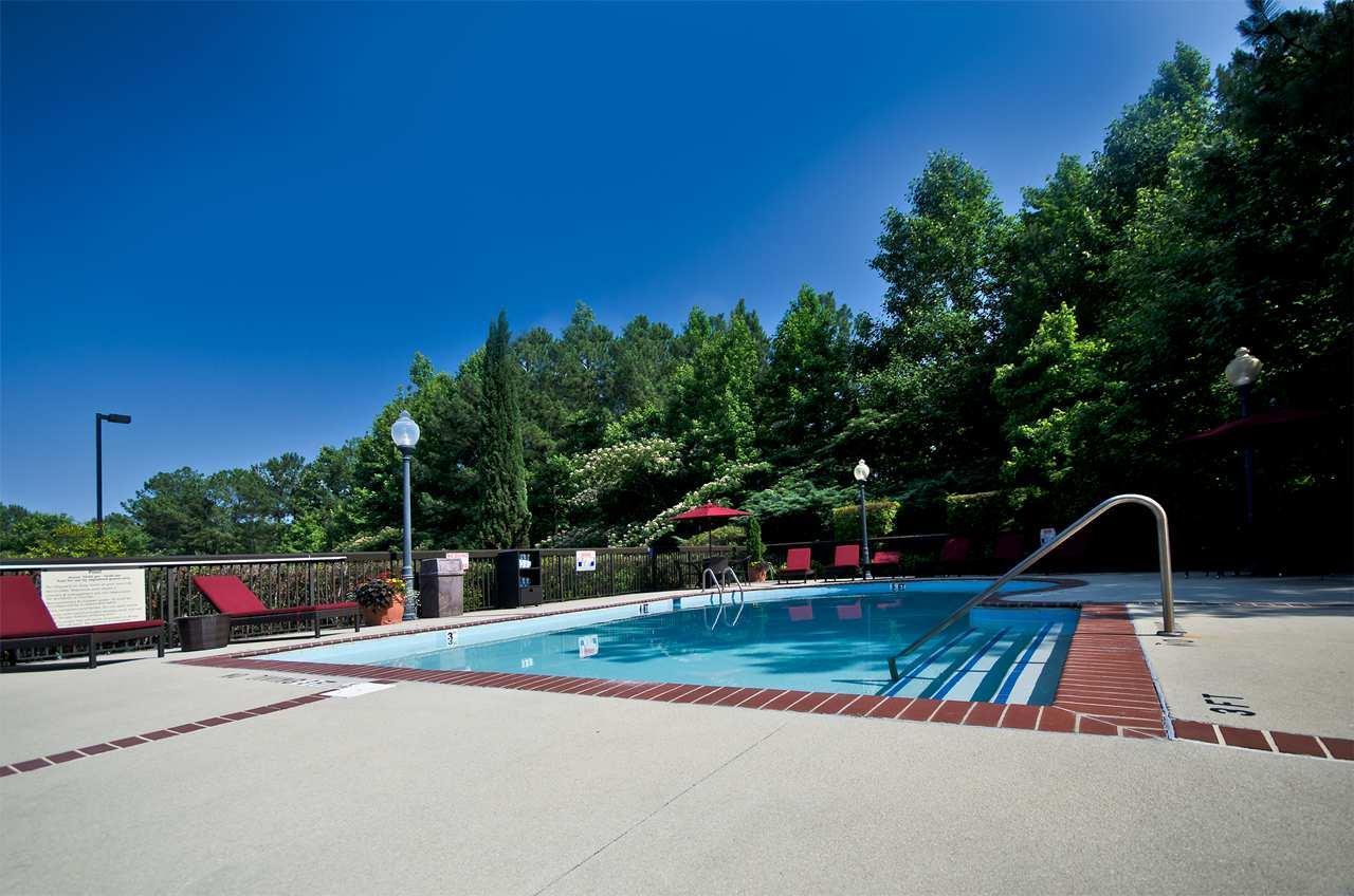 Hampton Inn & Suites Raleigh/Cary I-40 (PNC Arena) image 11