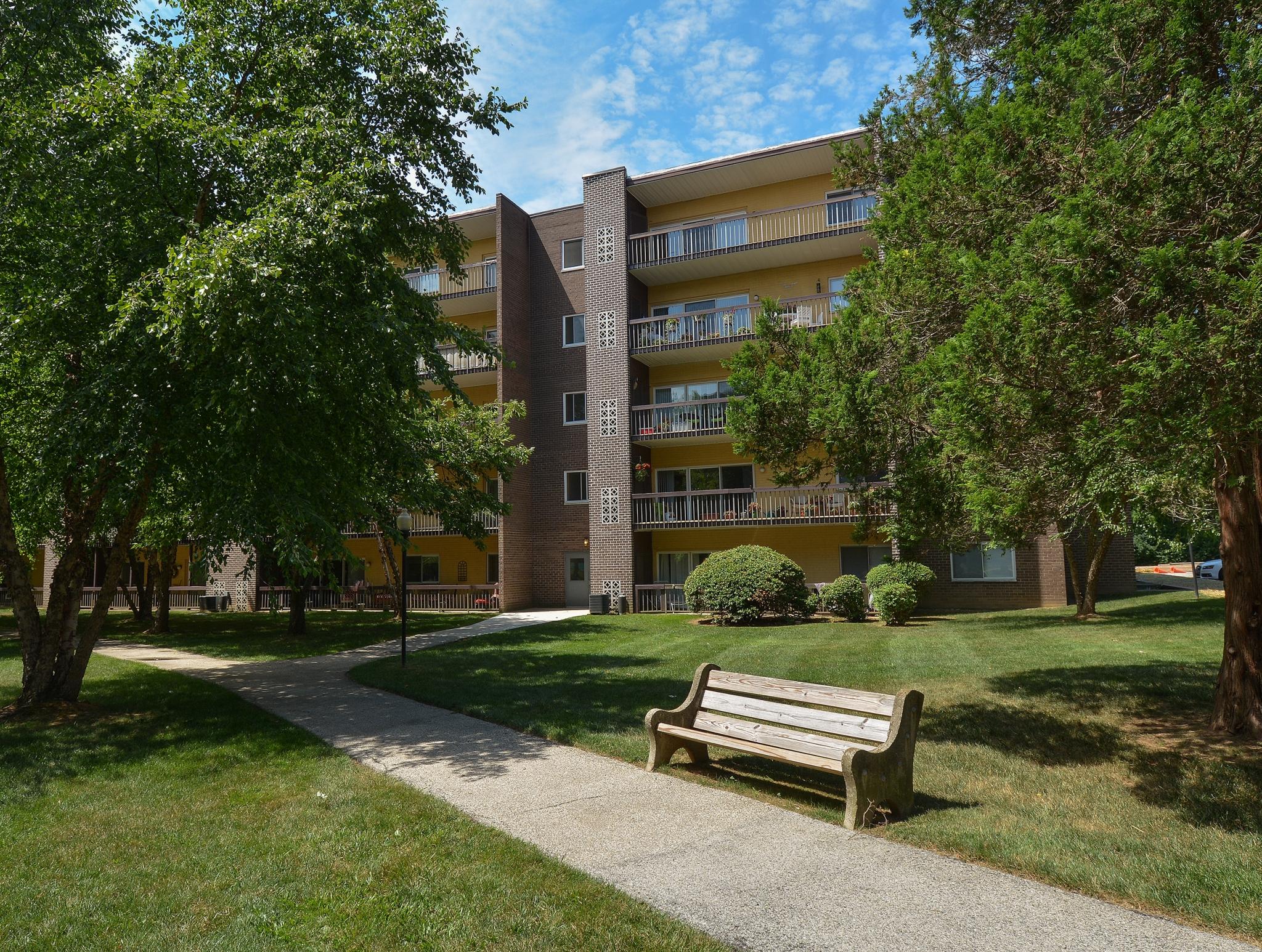Main Line Berwyn Apartments image 1