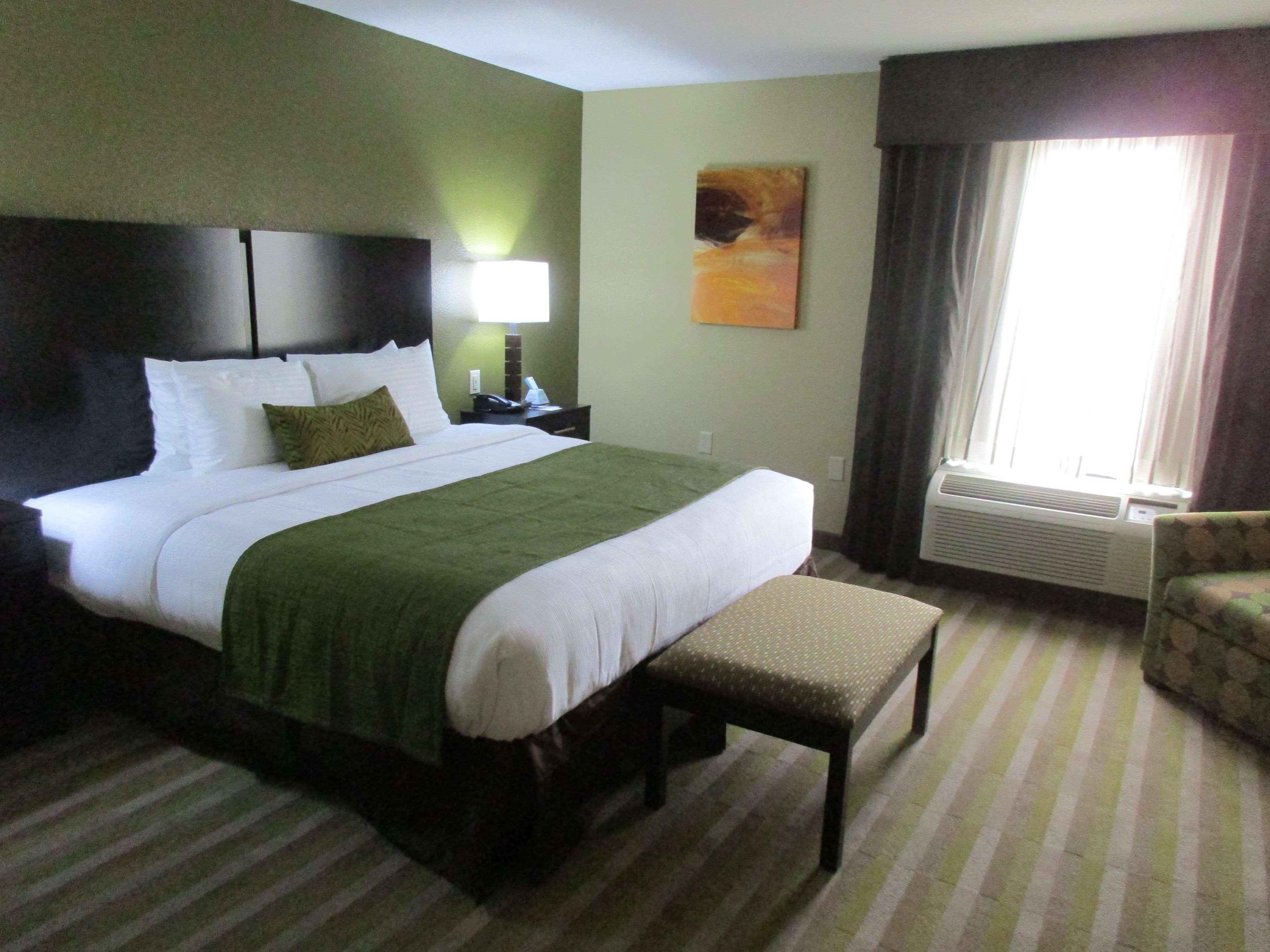 Best Western Plus Jonesboro Inn & Suites image 15
