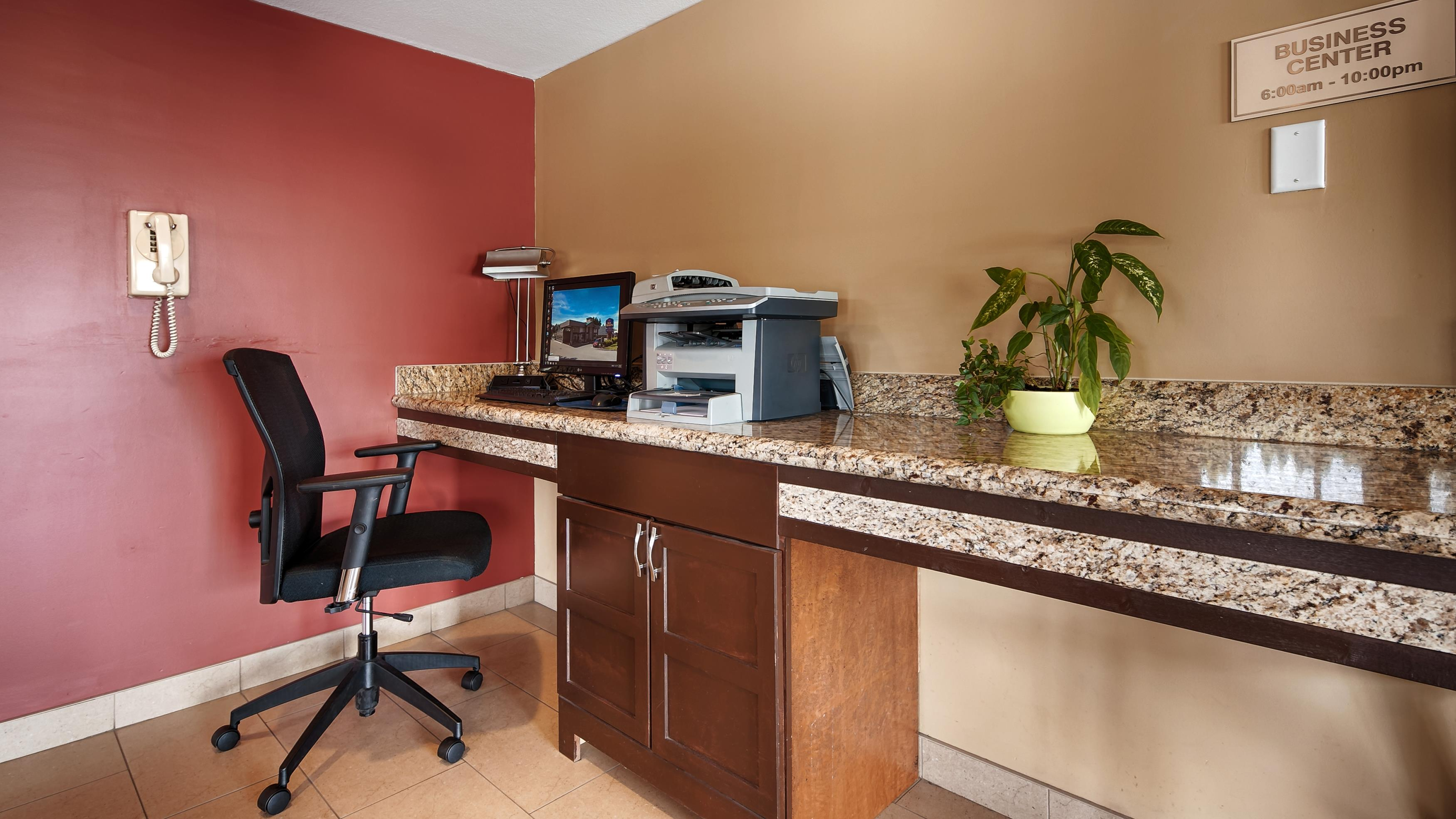 Best Western Maple Ridge Hotel in Maple Ridge: Business Center