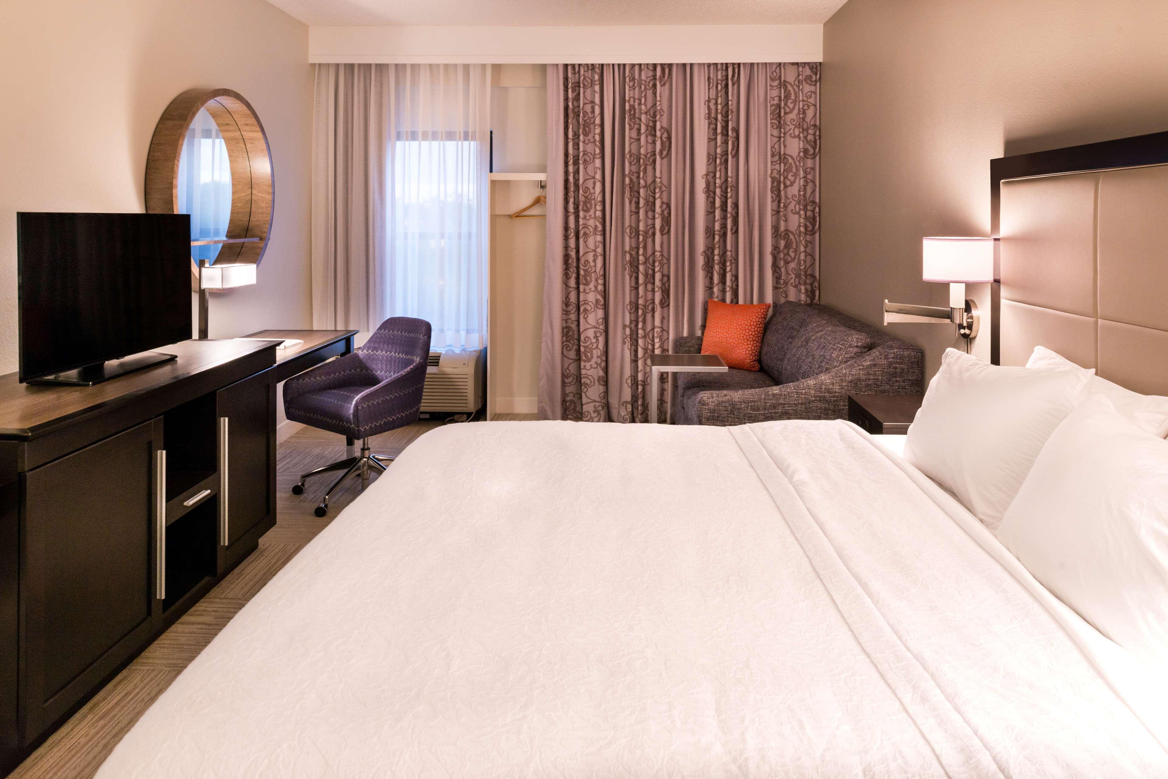 Hampton Inn & Suites Orlando/East UCF Area image 22