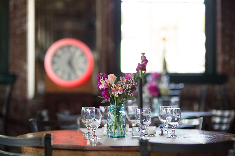 SqWires Restaurant & Annex image 7