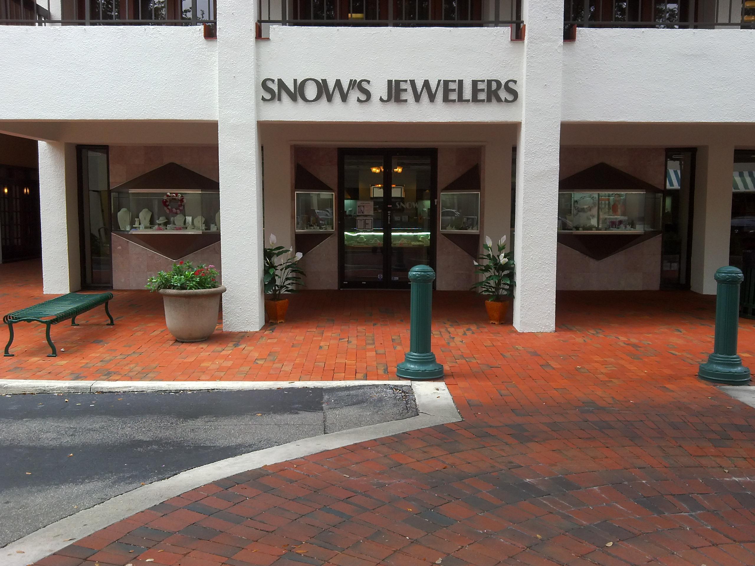 Snow's Jewelers image 0