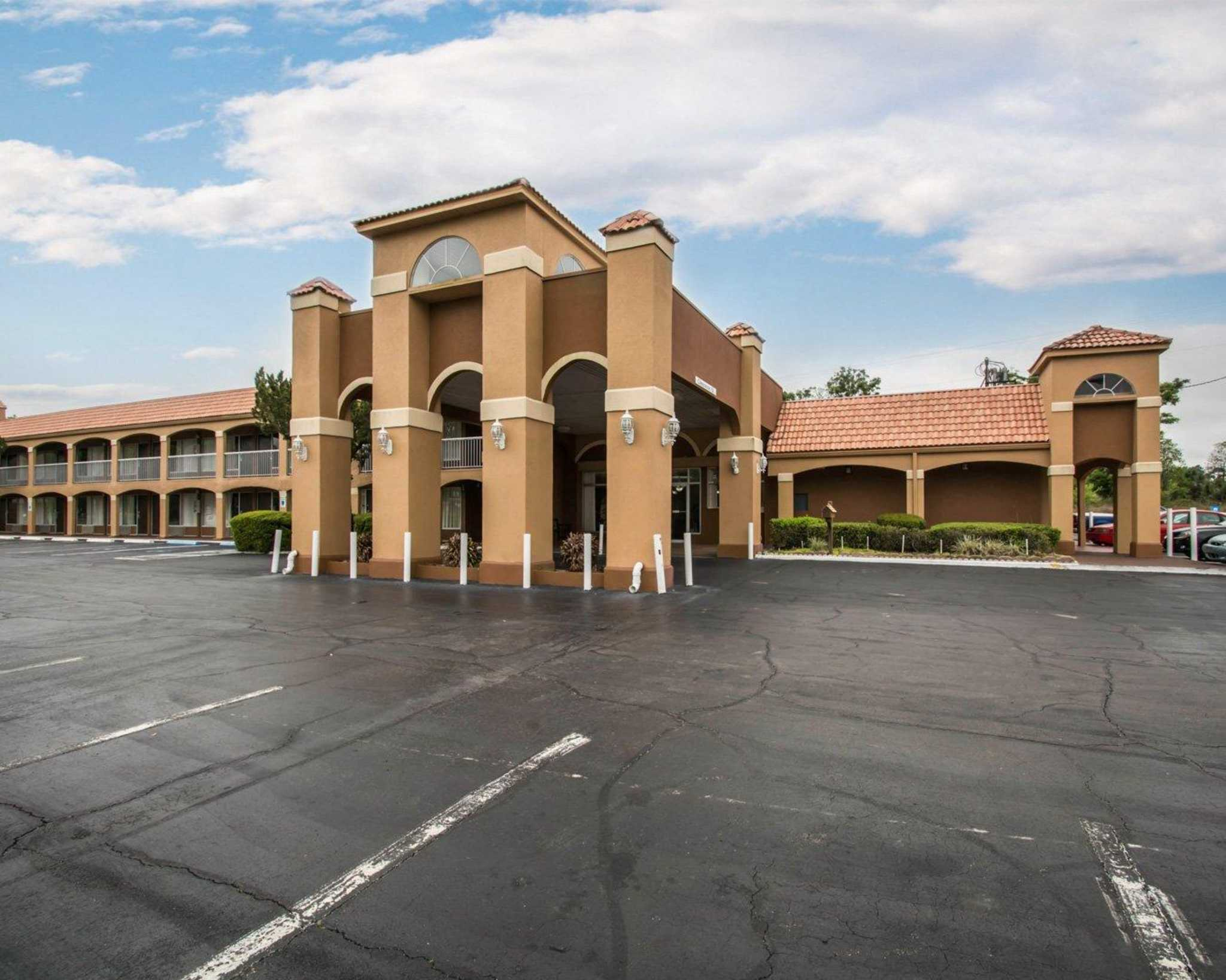 Quality Inn I-75 at Exit 399 image 3