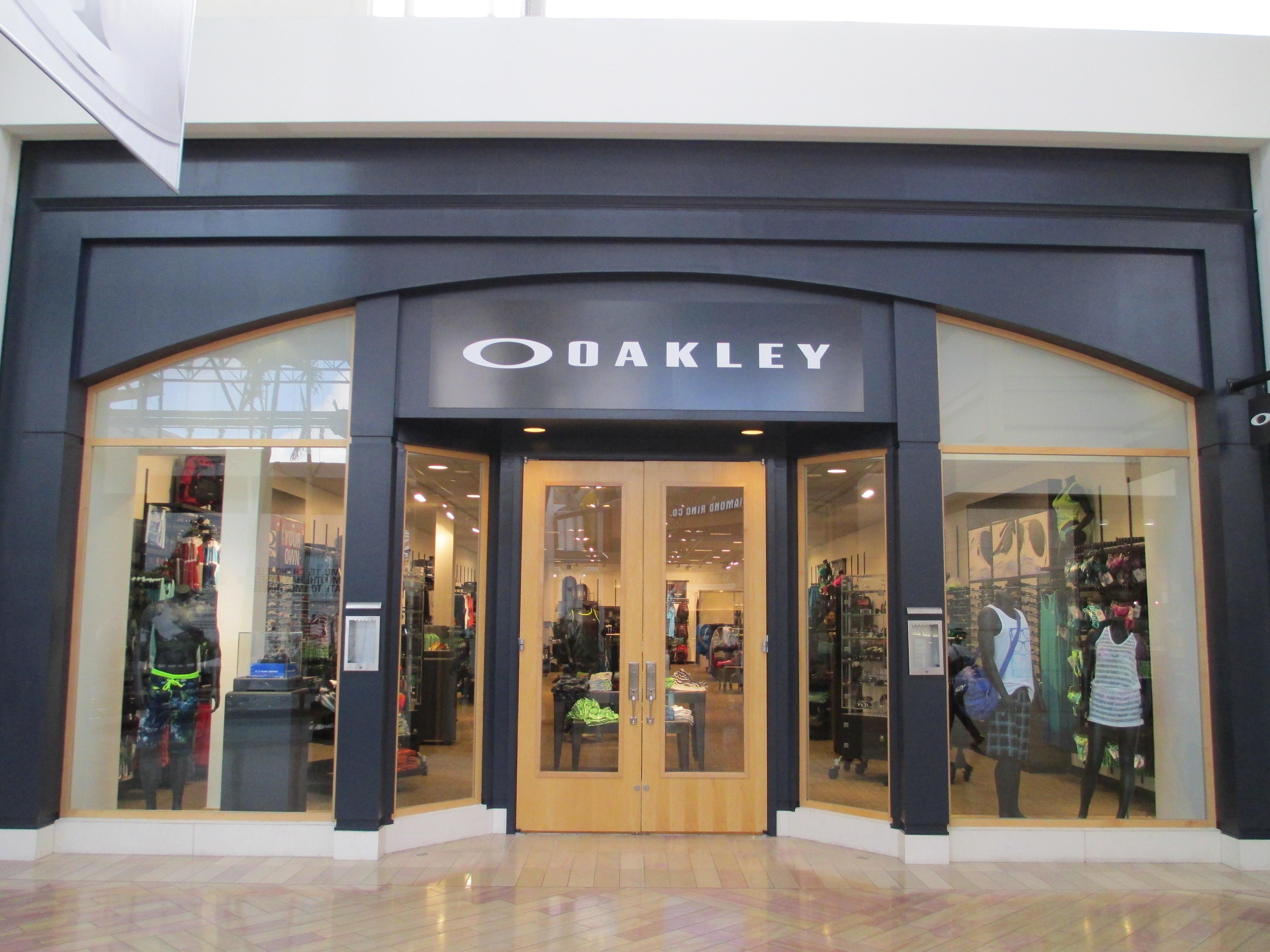 Oakley Store image 0