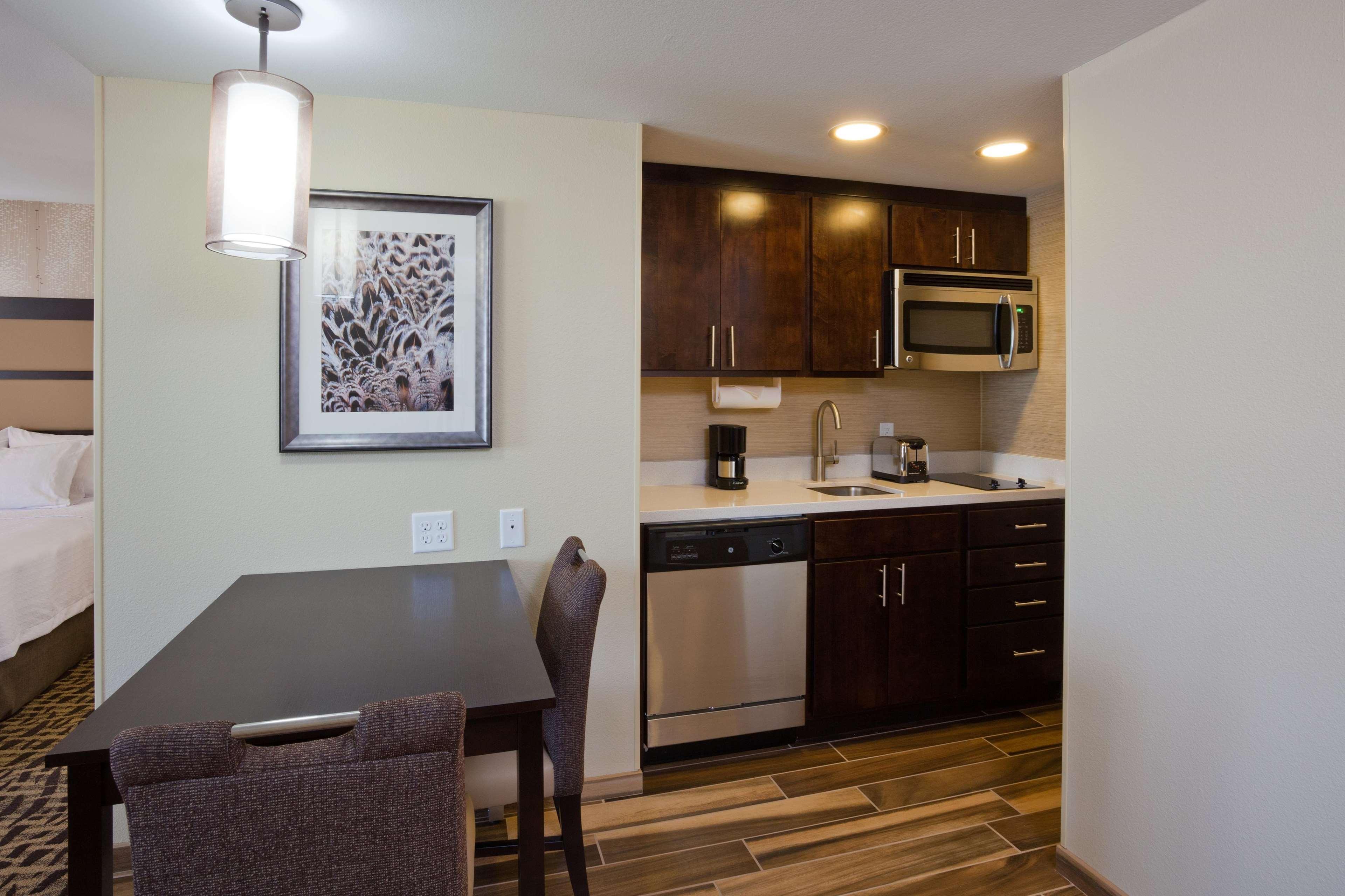 Homewood Suites by Hilton Davenport image 3