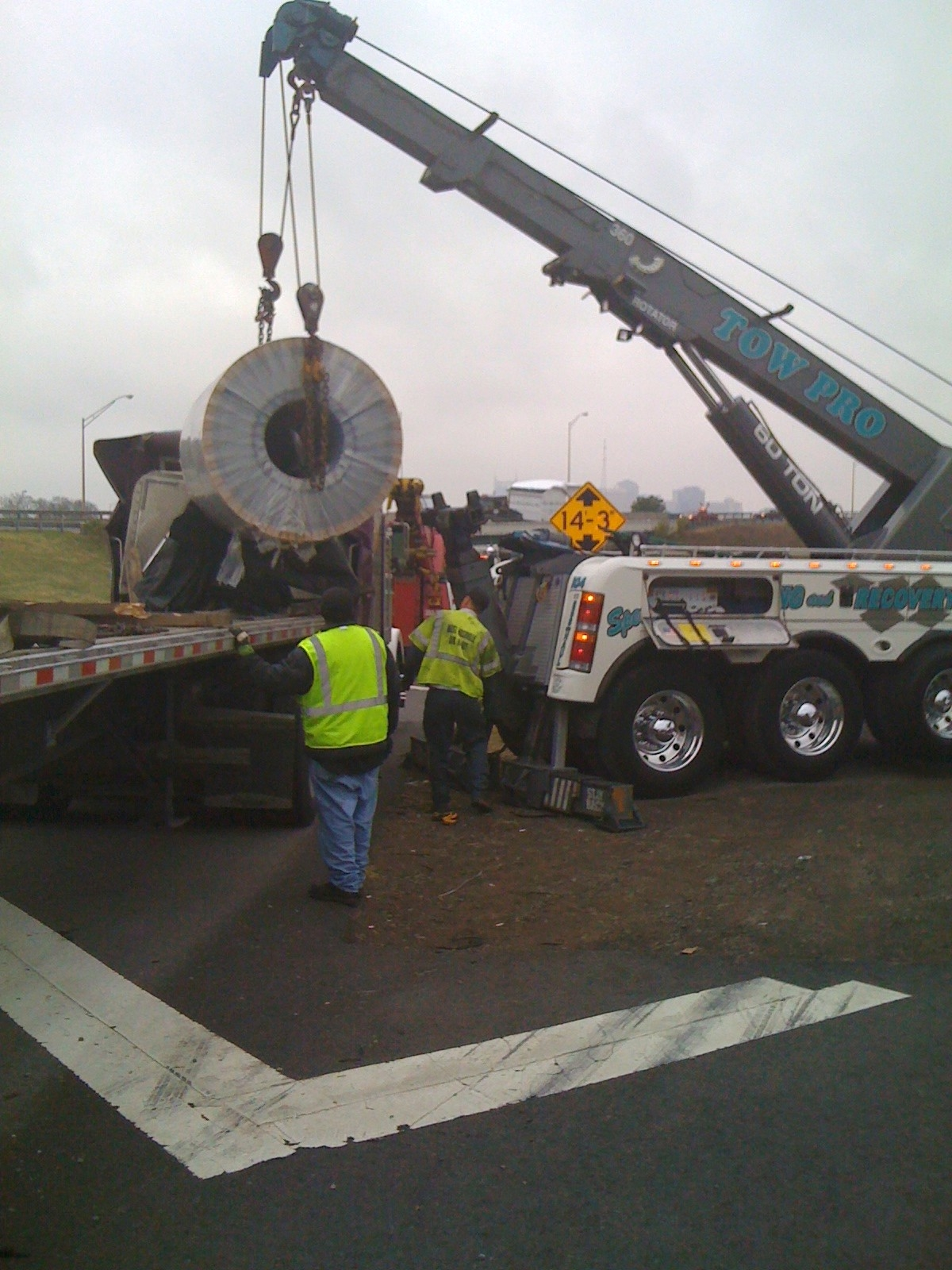 Cotton's Towing image 1