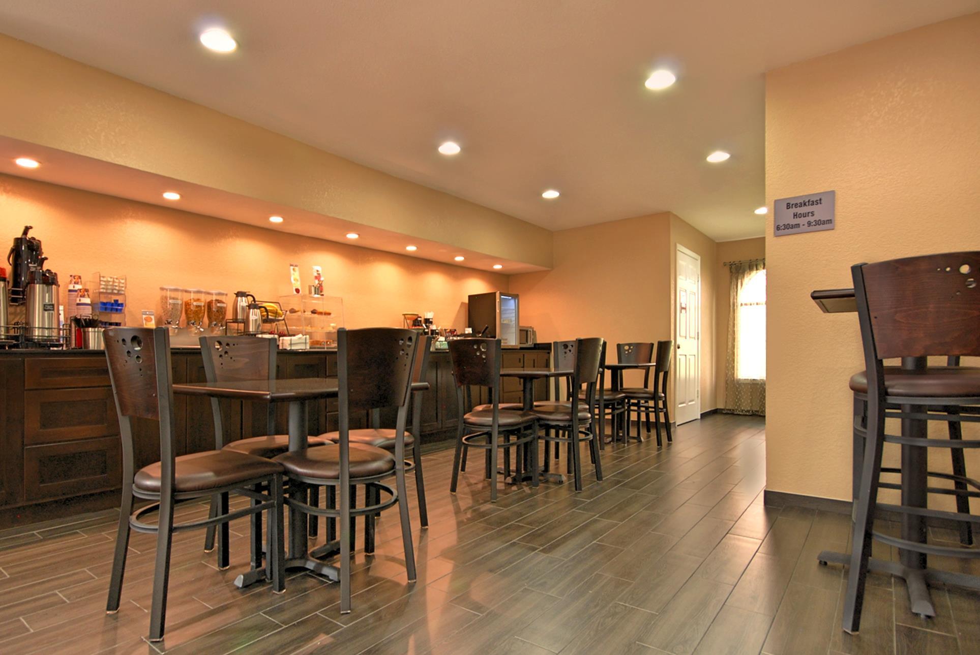 Best Western Cedar Inn image 23