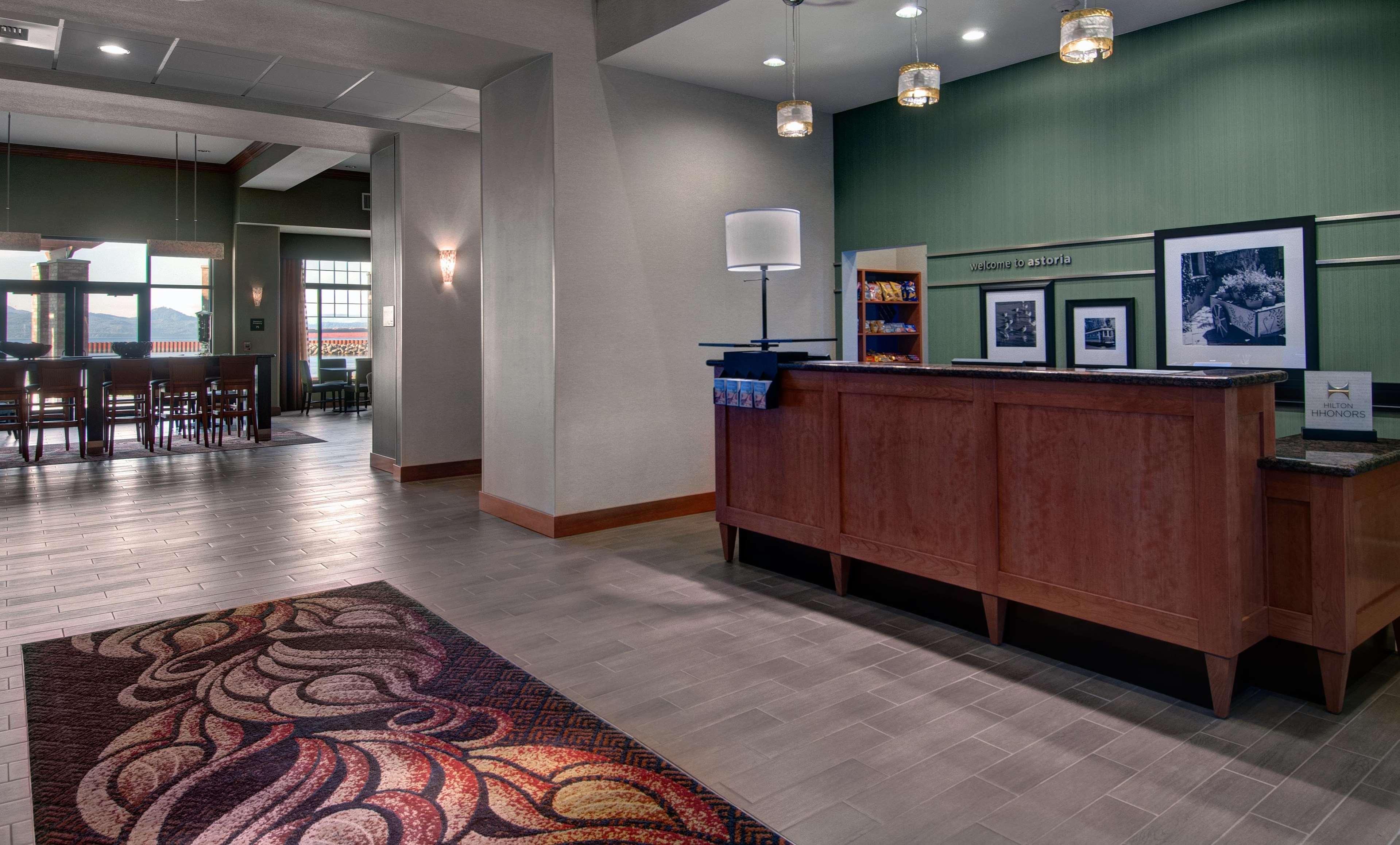 Hampton Inn & Suites Astoria image 5