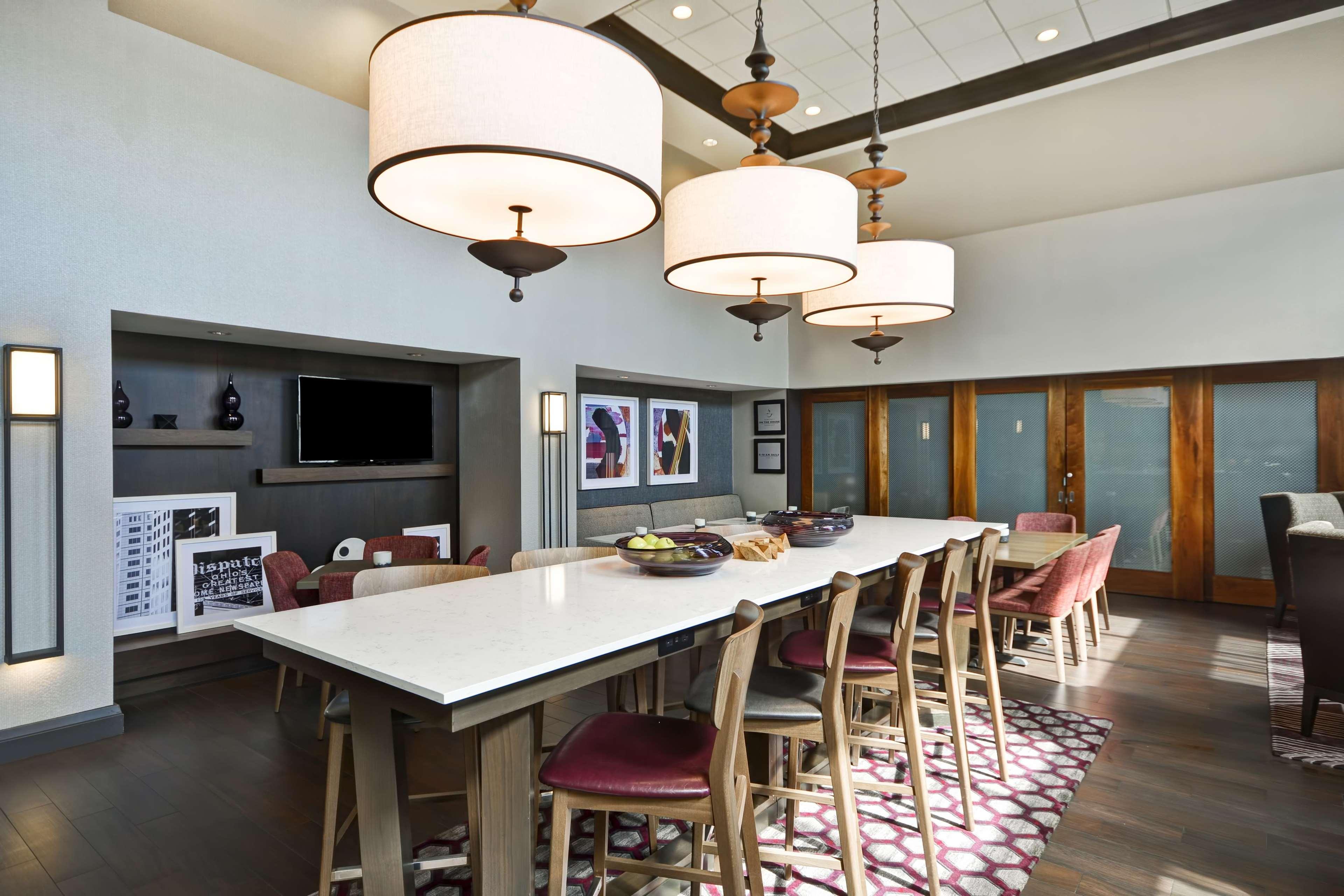 Hampton Inn & Suites Columbus-Easton Area image 8