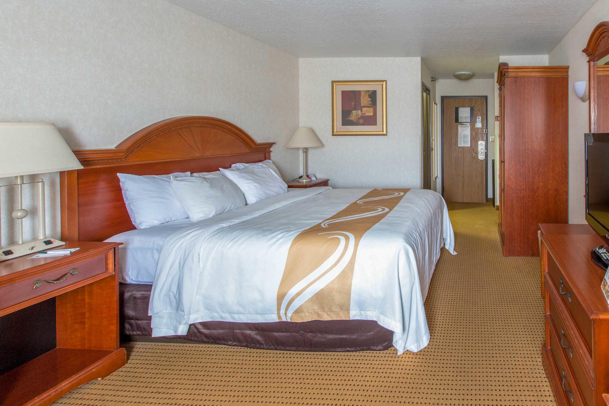 Quality Inn & Suites University image 29