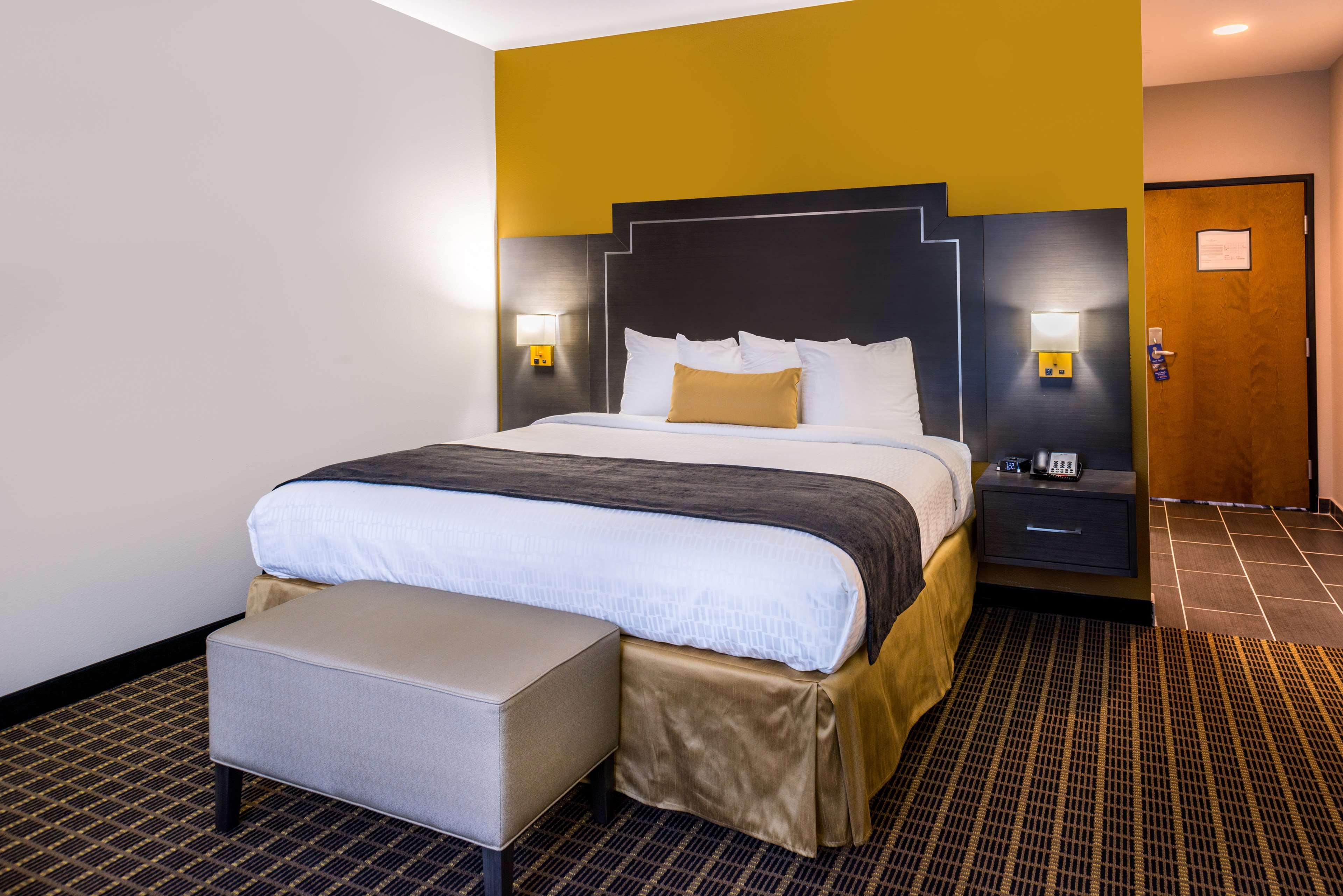 Best Western Plus Regency Park Hotel image 40