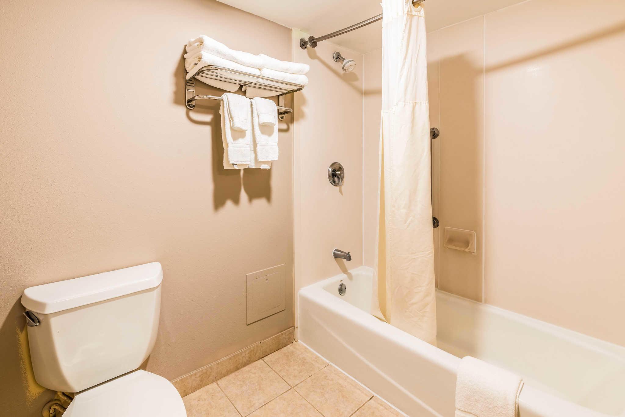 Clarion Inn & Suites image 16