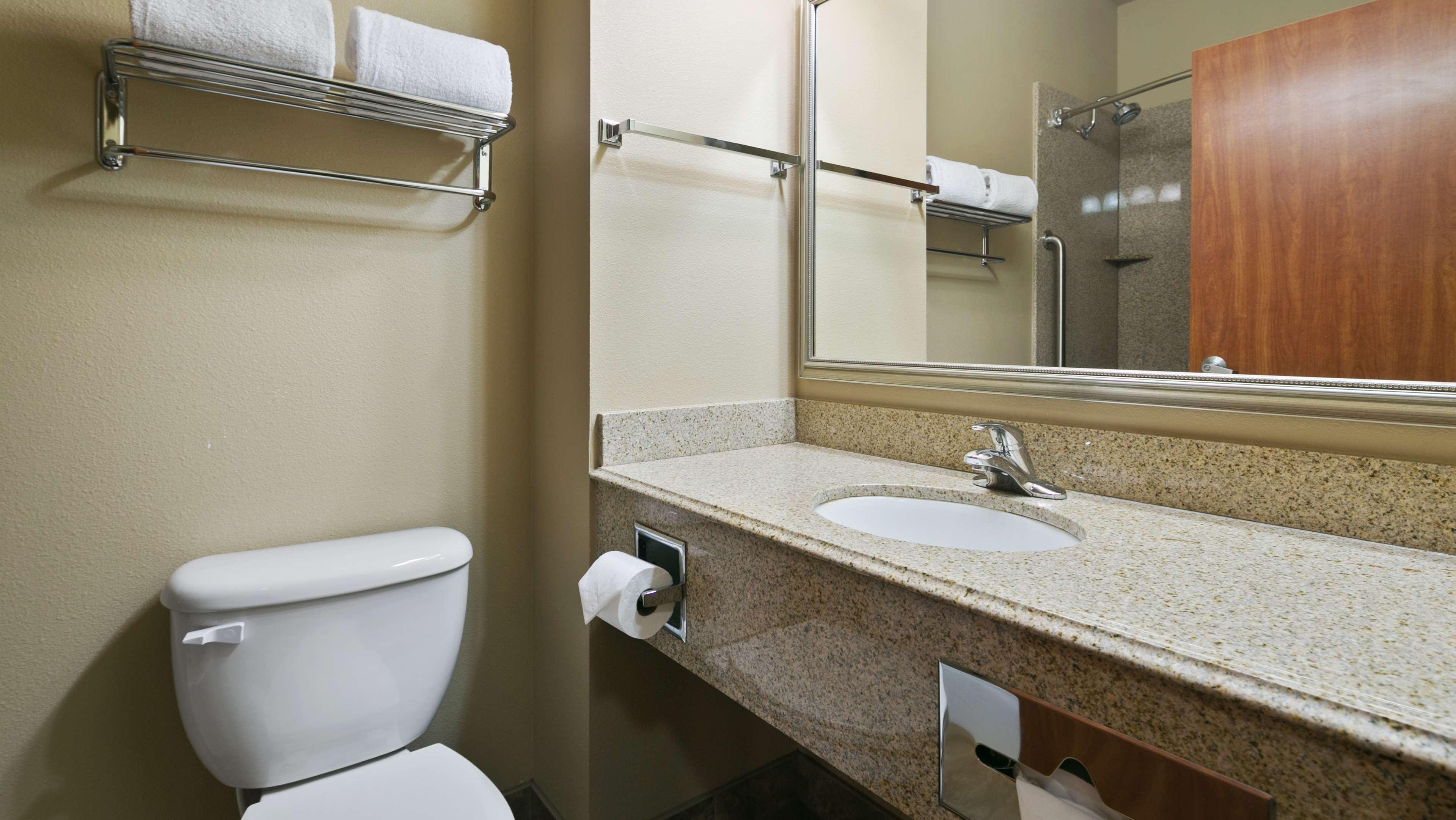 Best Western Plus Parkersville Inn & Suites image 23