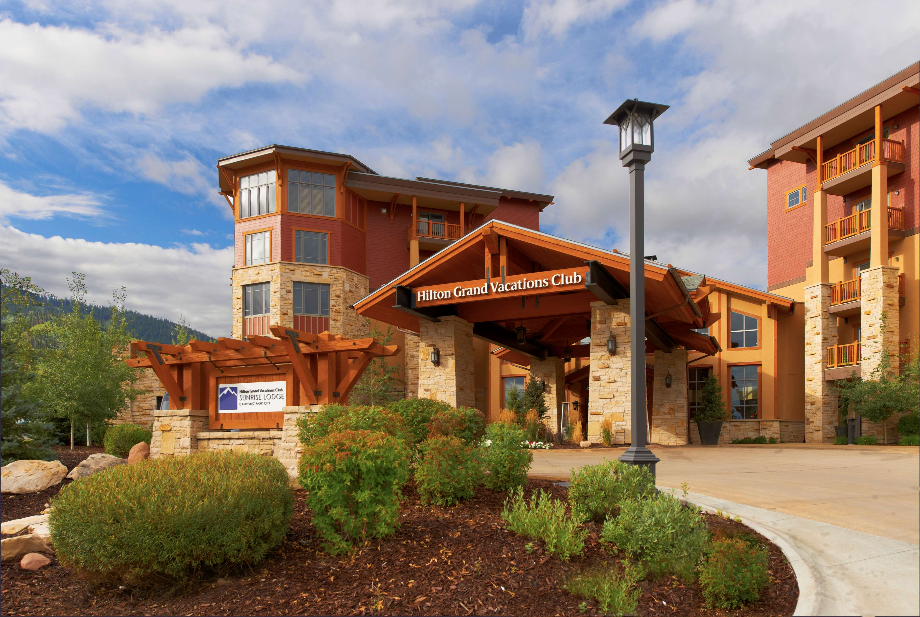 Sunrise Lodge by Hilton Grand Vacations image 0