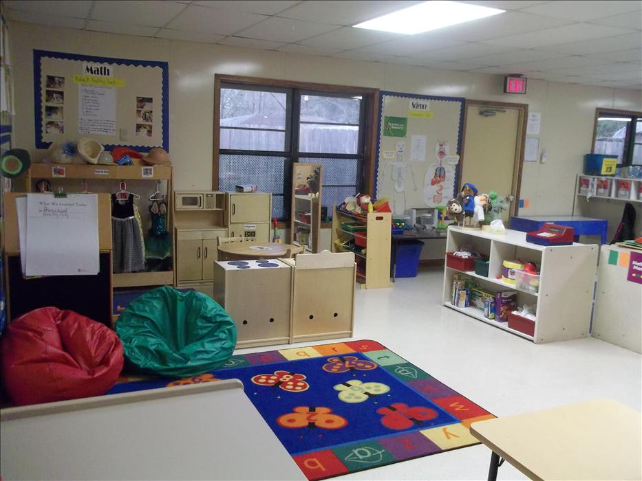 Greenwell Springs KinderCare image 5