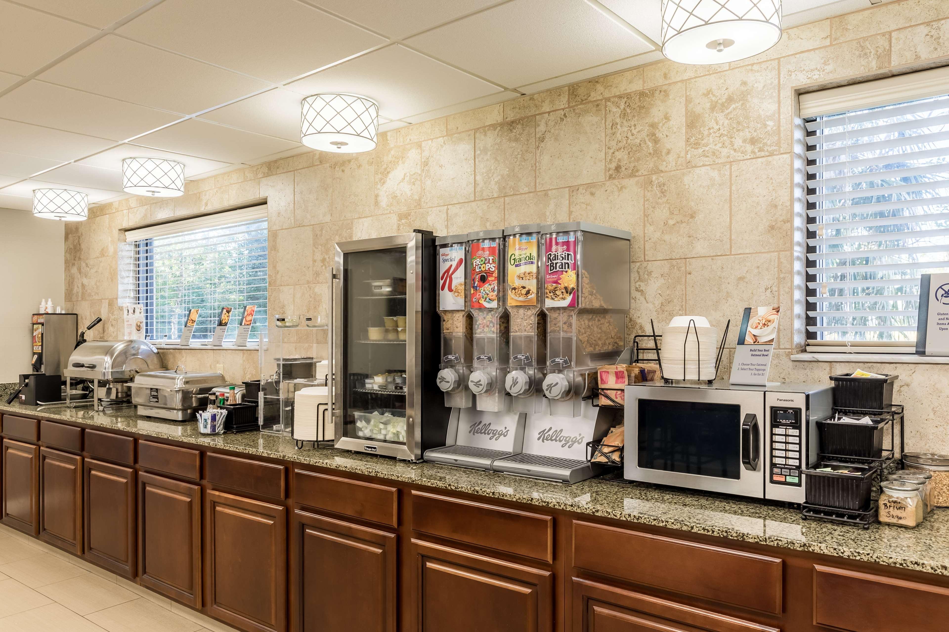 Best Western Plus Sebastian Hotel & Suites image 18