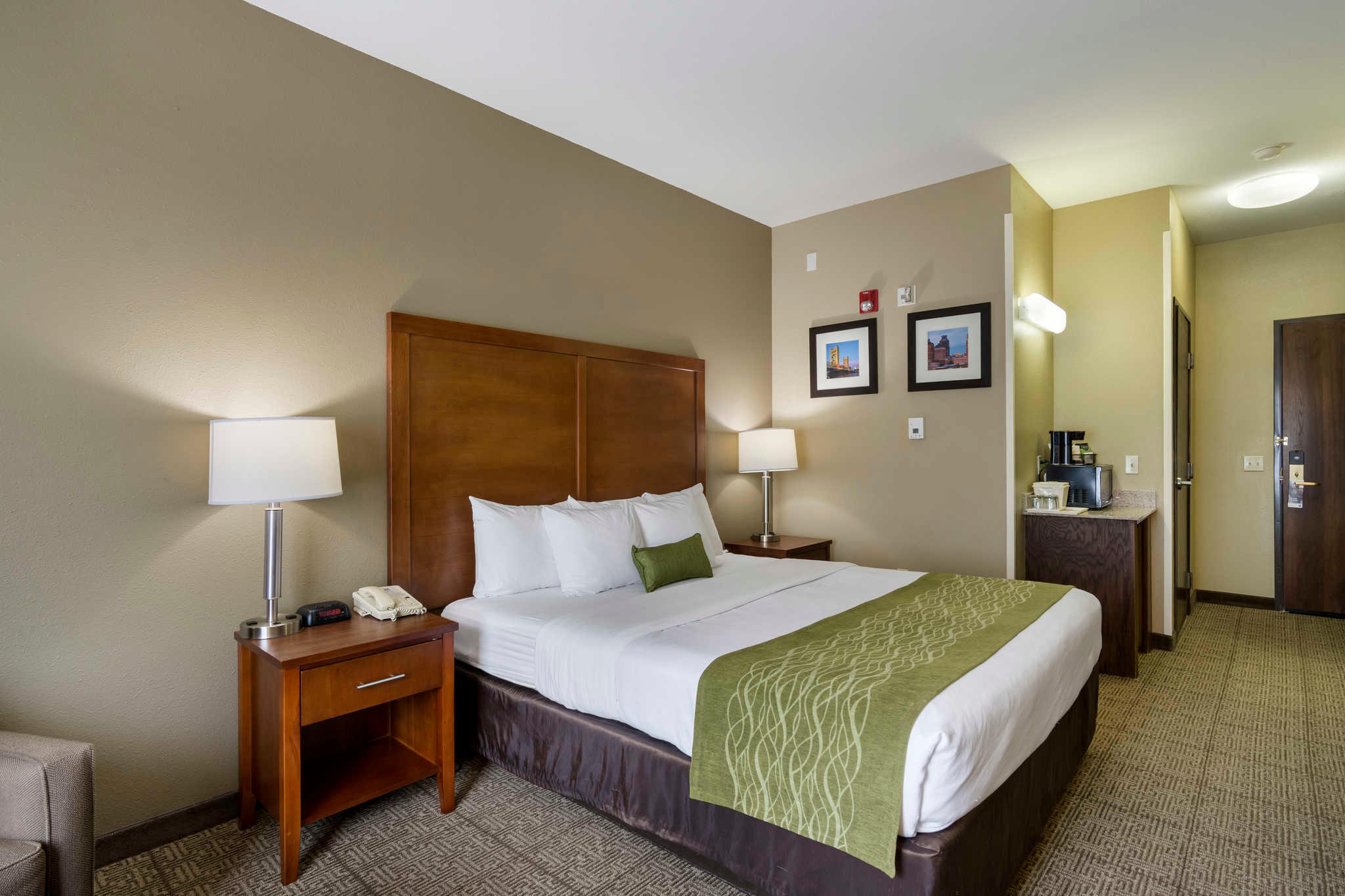 Comfort Inn & Suites Sacramento - University Area image 9