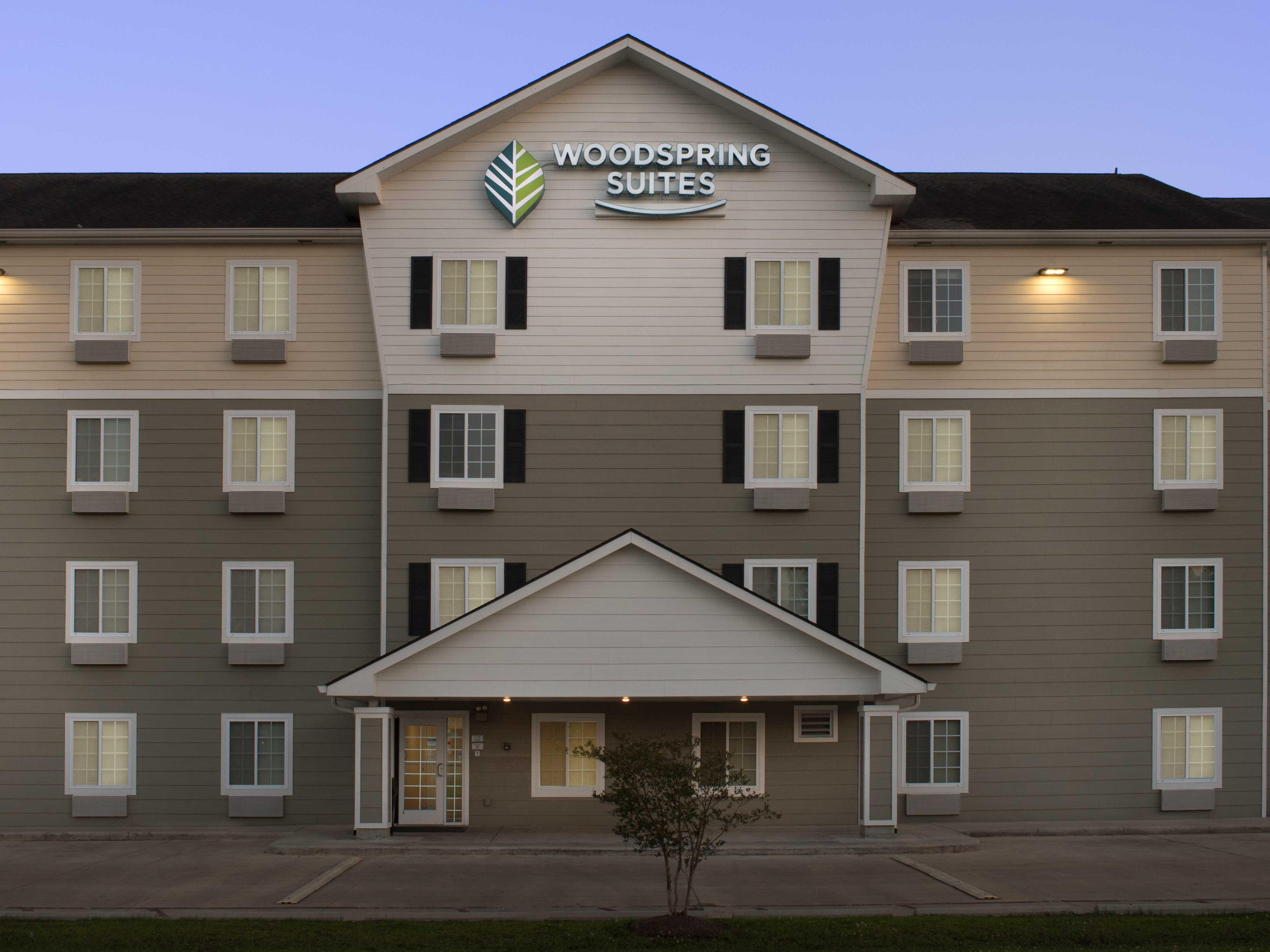 WoodSpring Suites Hammond image 14