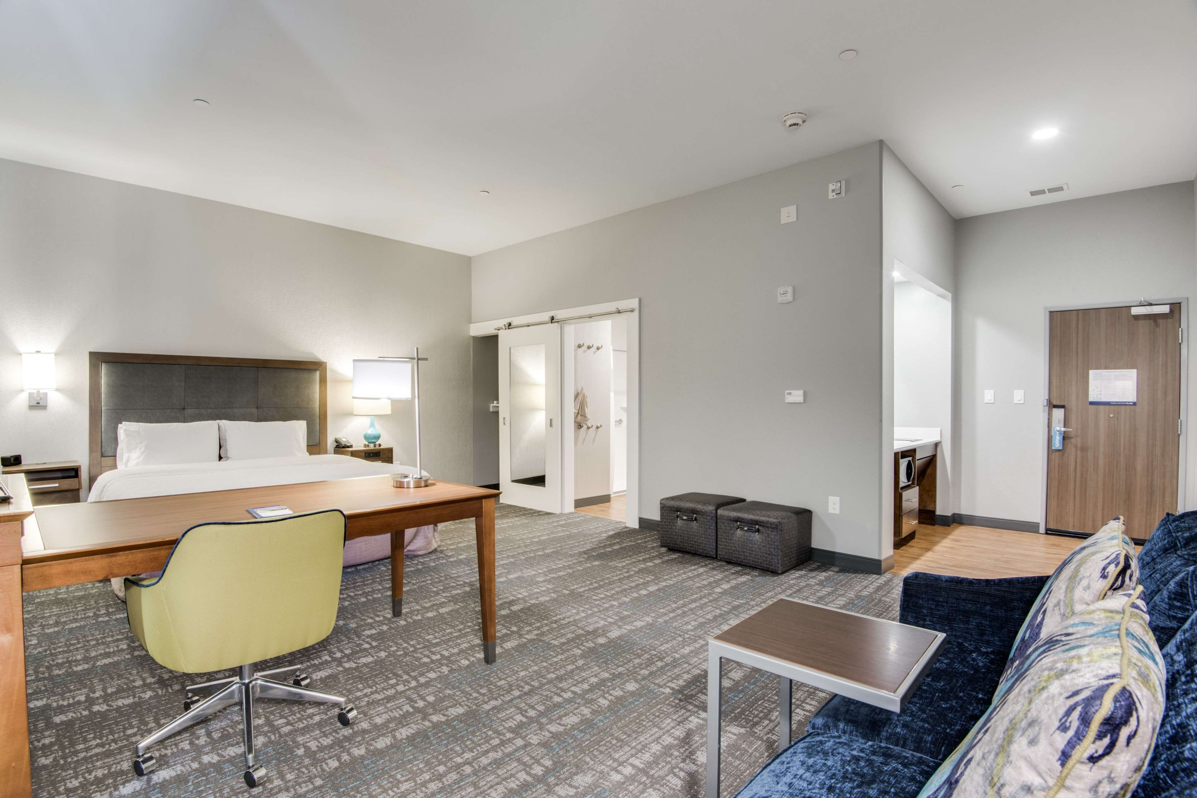Hampton Inn & Suites Dallas/Ft. Worth Airport South image 22
