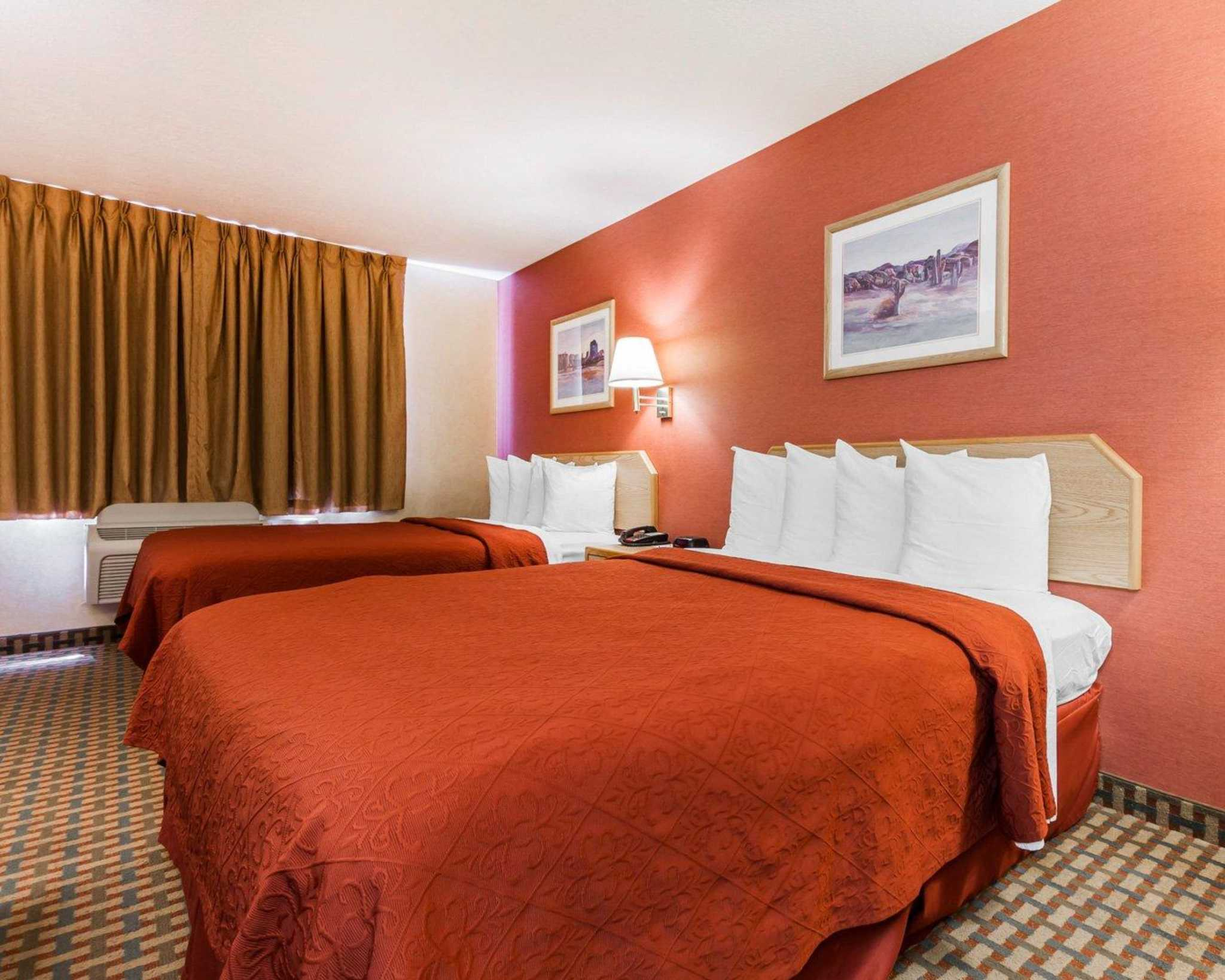 Quality Inn & Suites Surprise Near Sun City West image 4