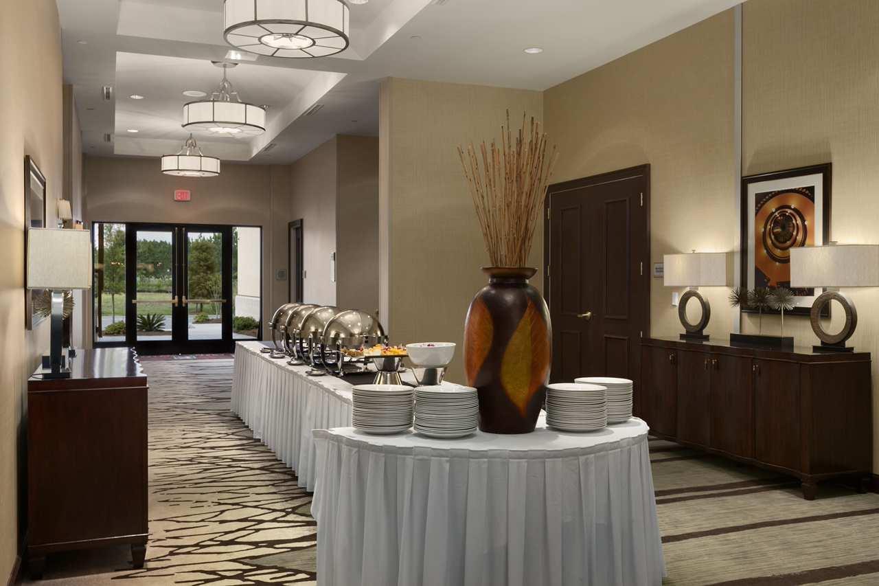 Embassy Suites by Hilton Savannah Airport image 7