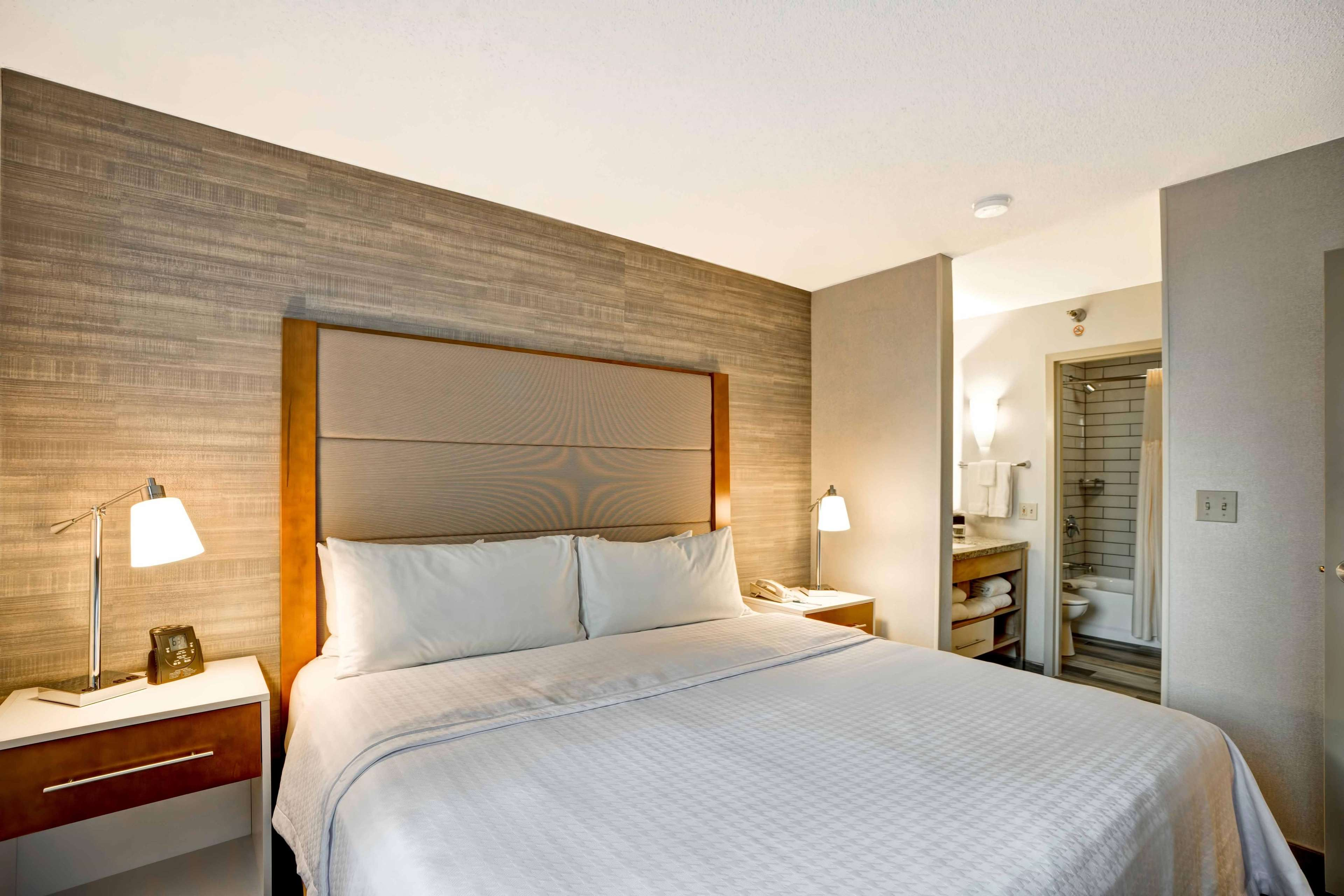 Homewood Suites by Hilton Chicago-Downtown image 27