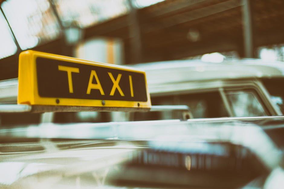 L&L Taxi Local & Airport Service image 3