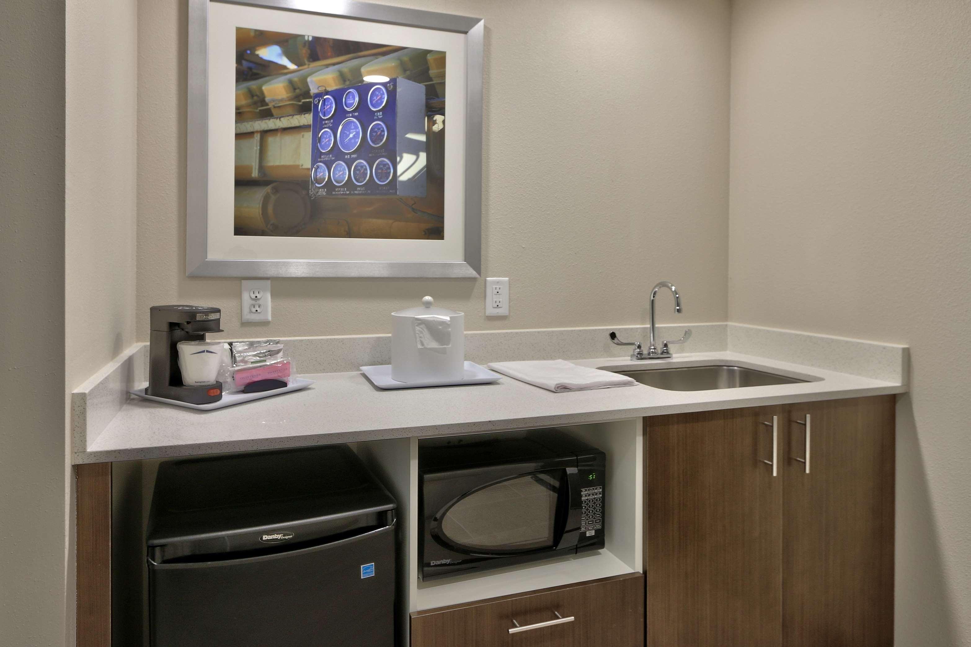 Hampton Inn & Suites Artesia image 17