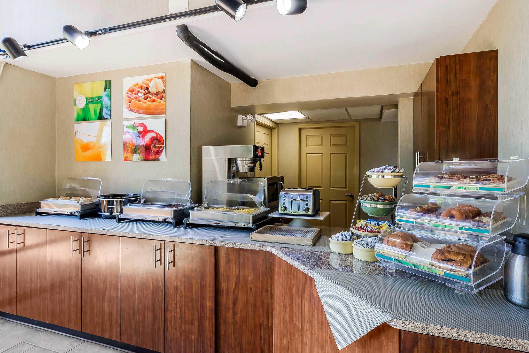 Quality Inn & Suites River Suites image 27