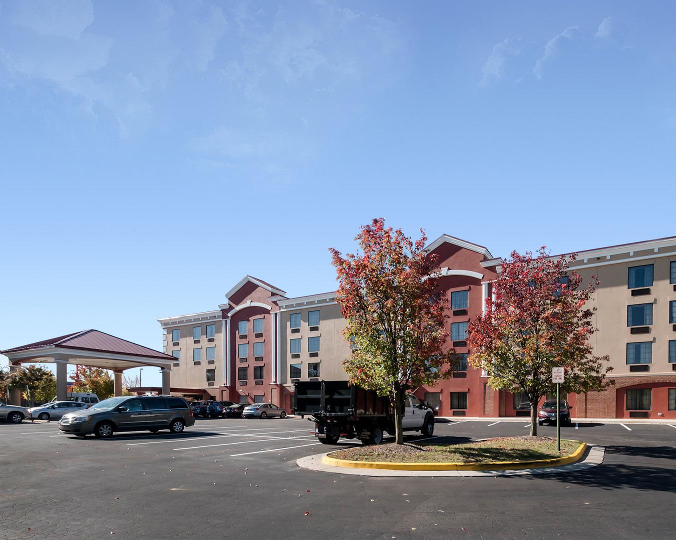 Hampton Inn Dulles Airport South Hotel in Chantilly VA