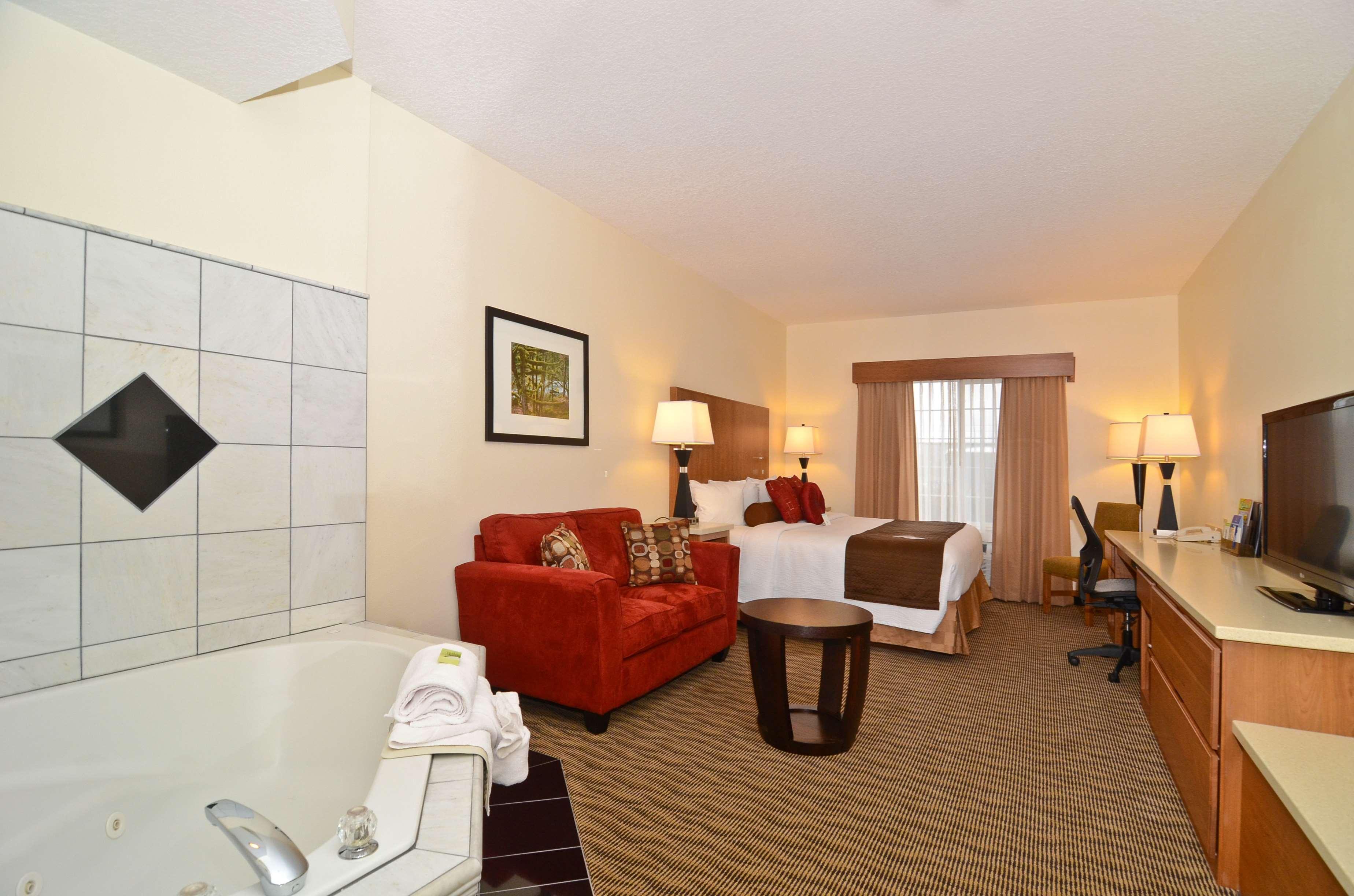 Best Western Plus Park Place Inn & Suites image 35