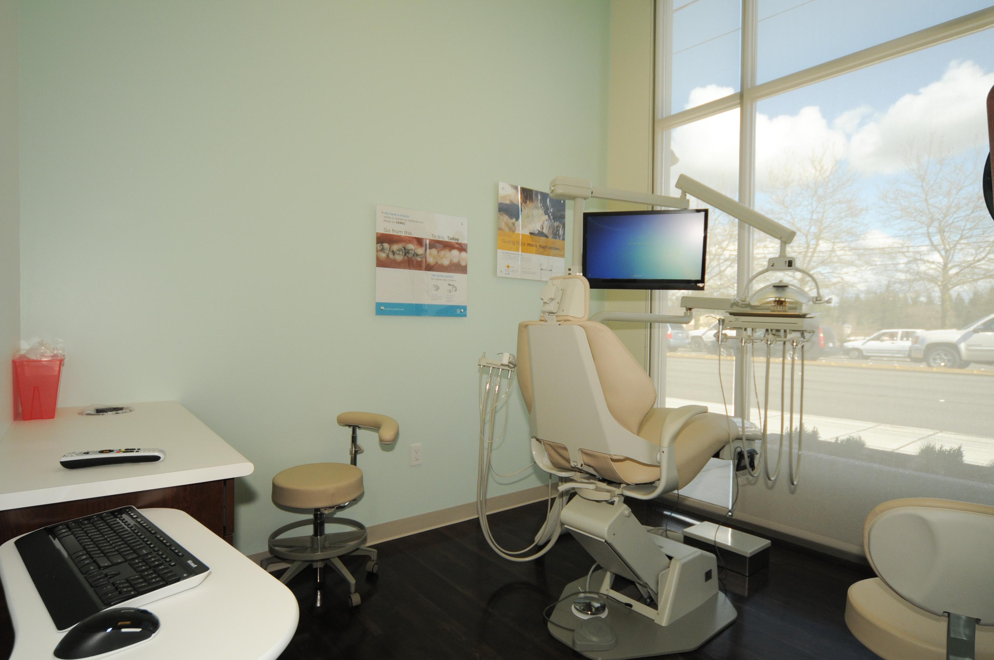 Lynnwood Crossroads Modern Dentistry and Orthodontics image 9