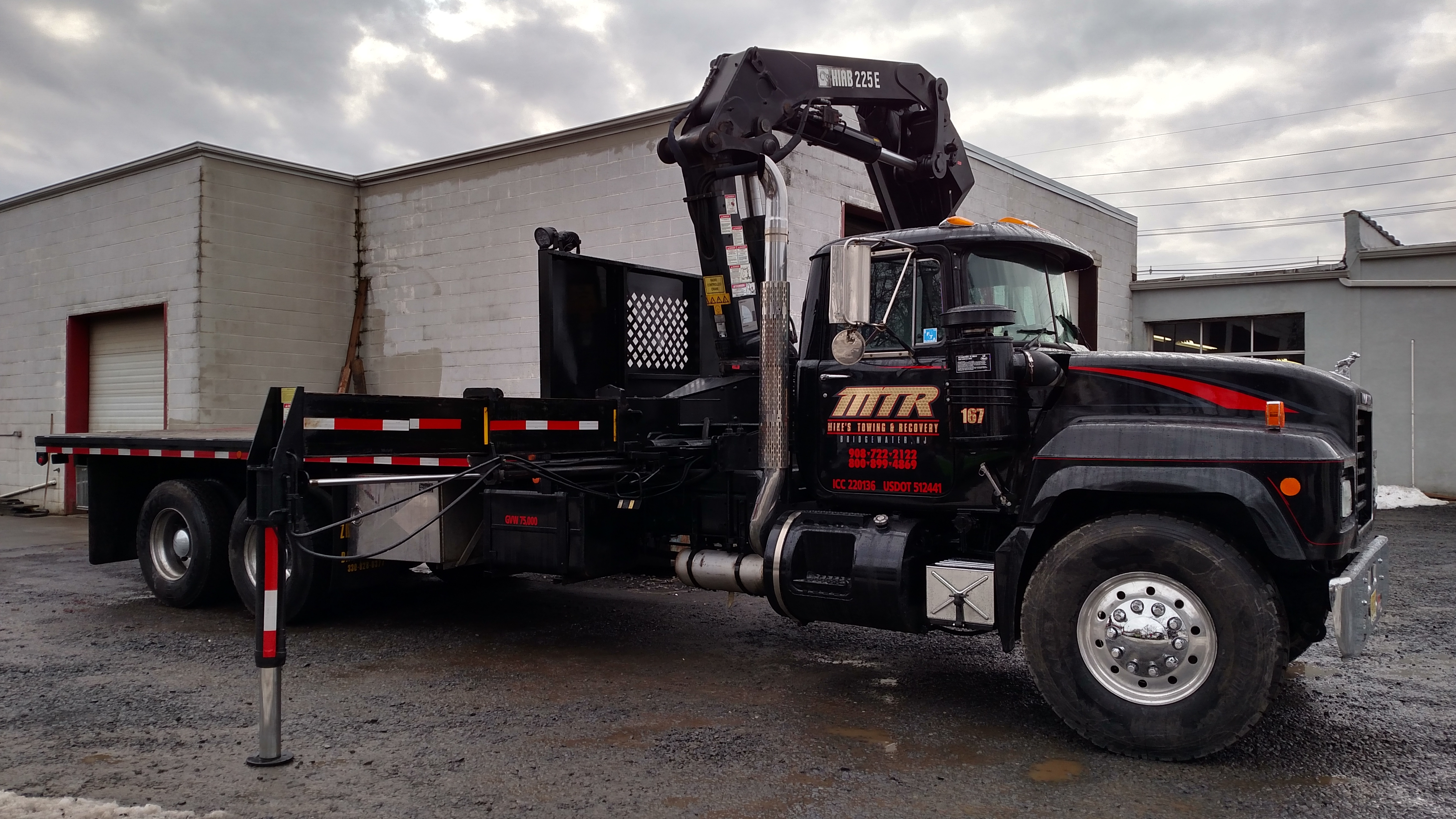 Mike's Towing & Recovery image 1