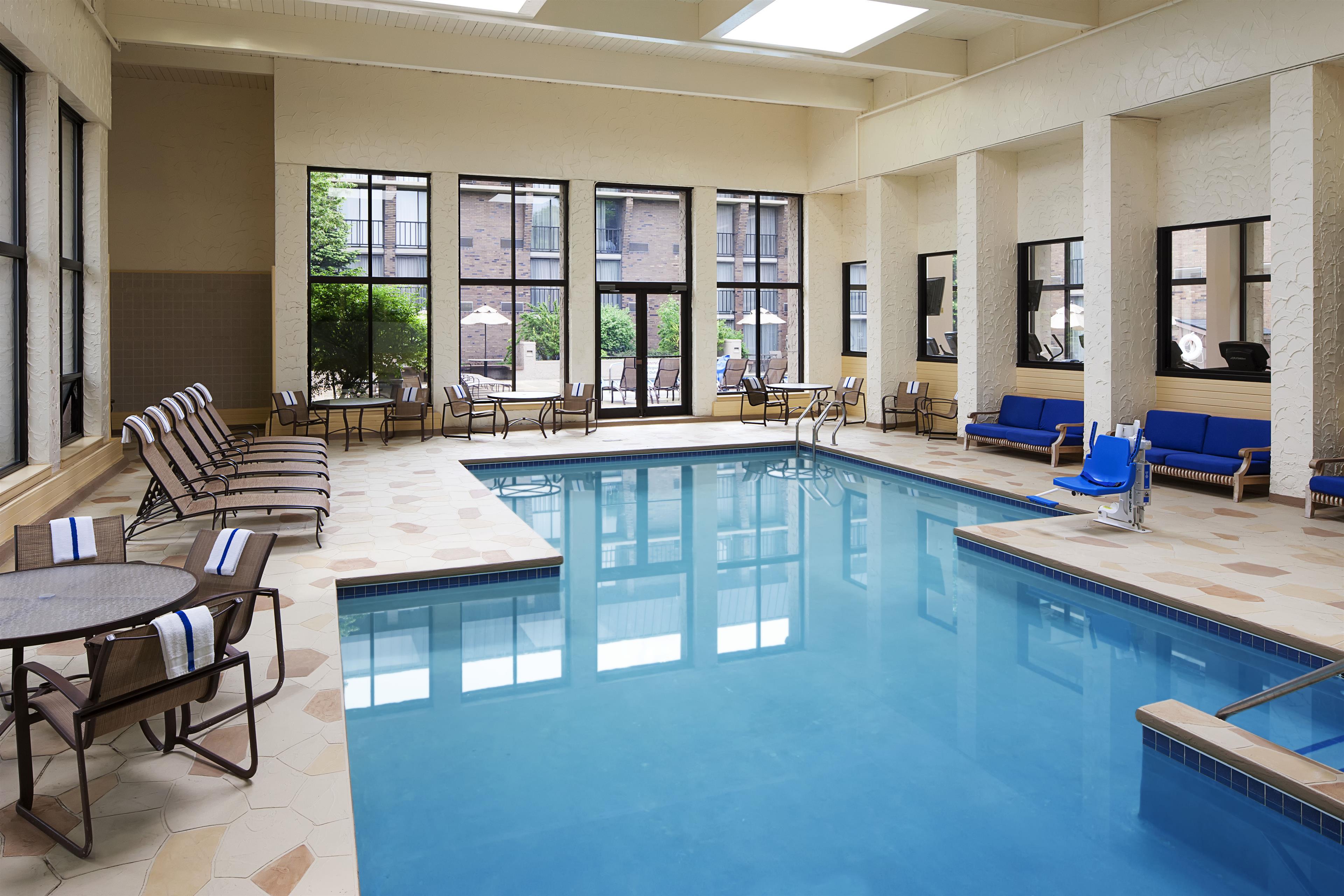 Sheraton Milwaukee Brookfield Hotel Brookfield Wi