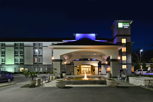Holiday Inn Express & Suites Tacoma South - Lakewood image 0