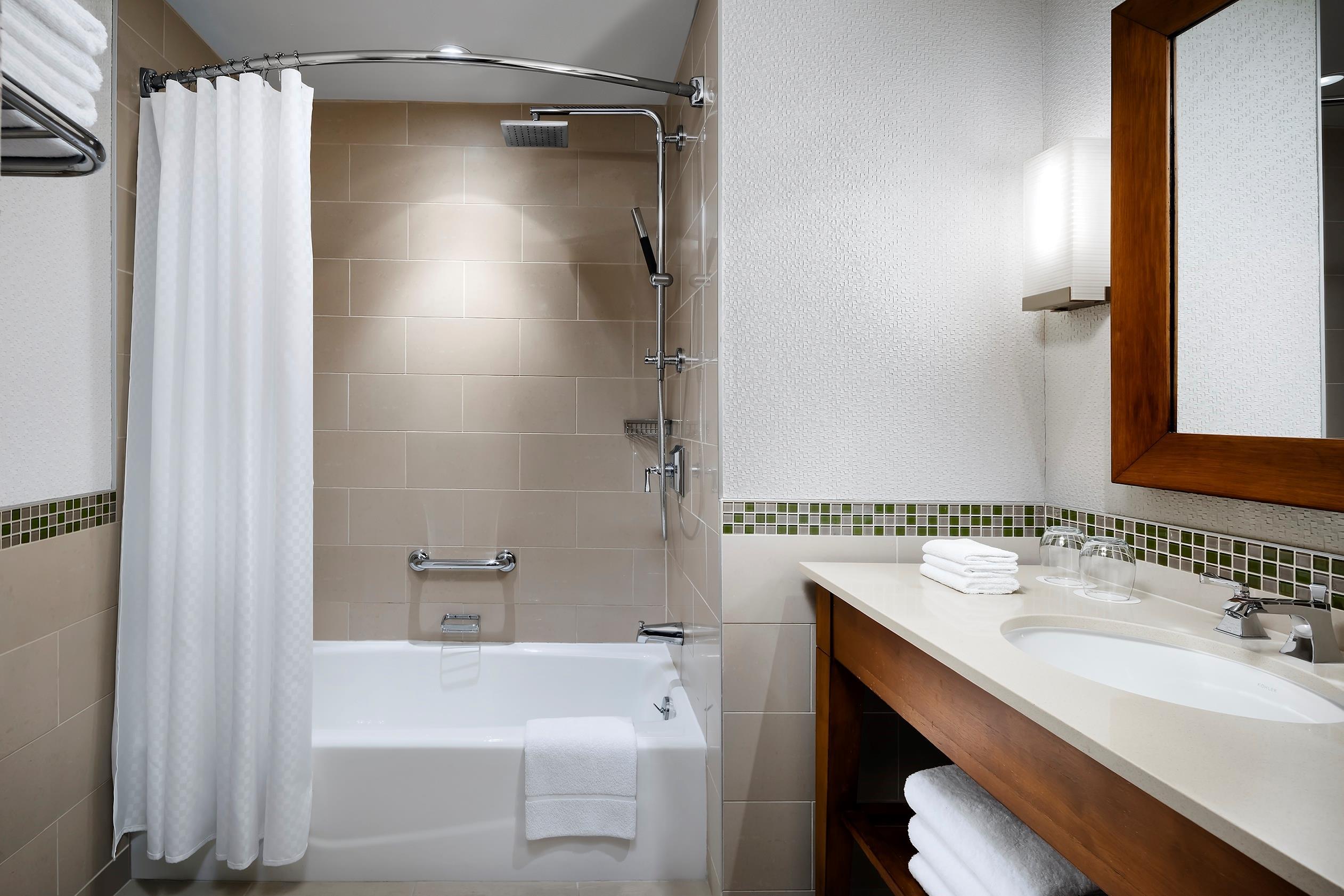The Westin Bayshore, Vancouver in Vancouver: Standard Bathroom