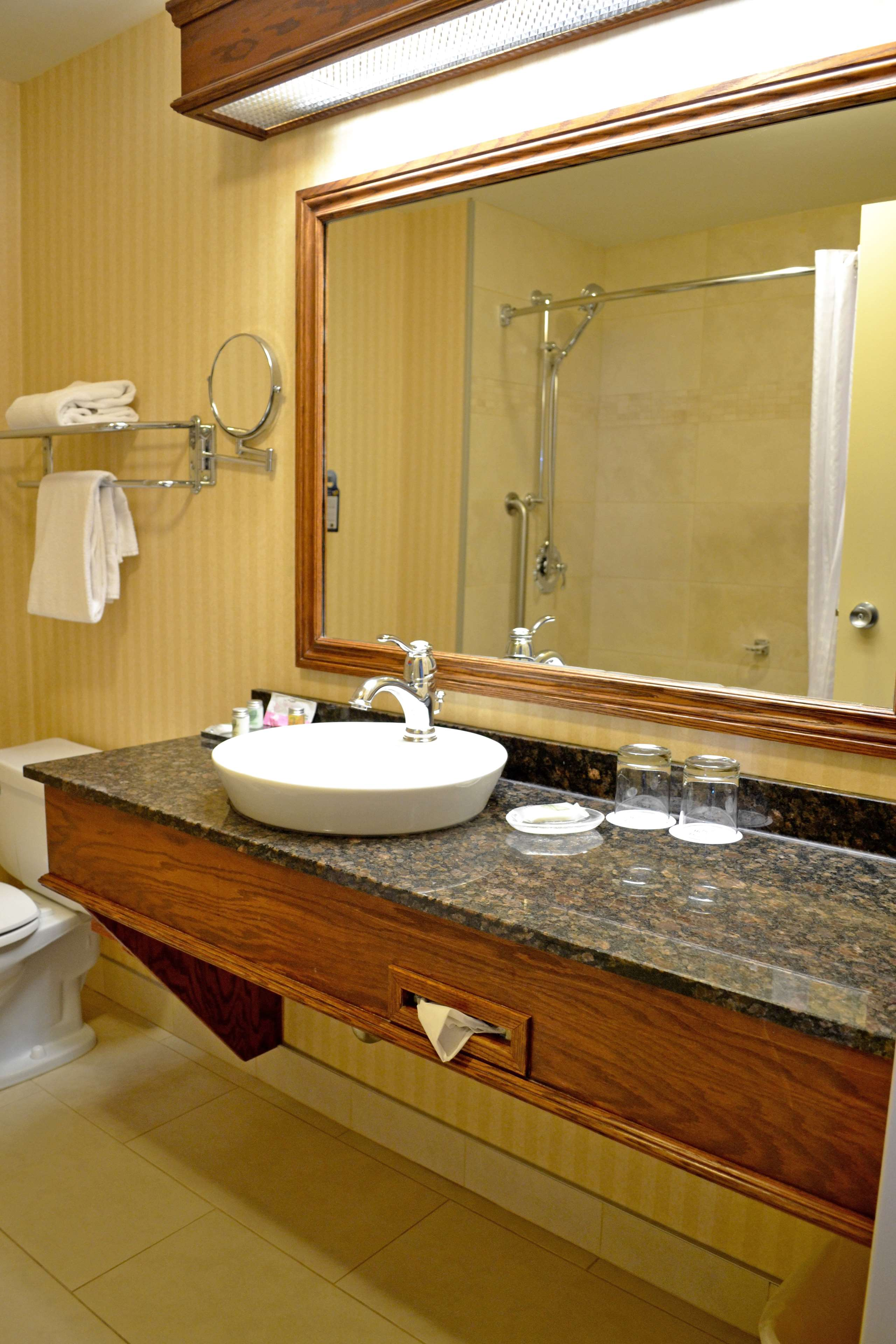 Best Western Plus City Centre/Centre-Ville à Quebec: Business Room Two Queen Guest Room