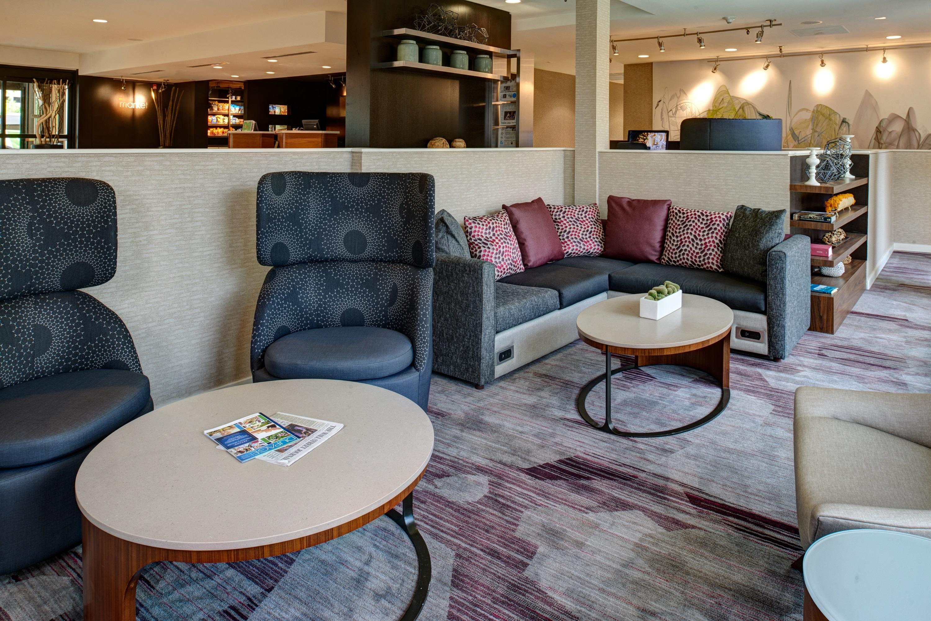 Courtyard by Marriott Chicago Oakbrook Terrace image 6