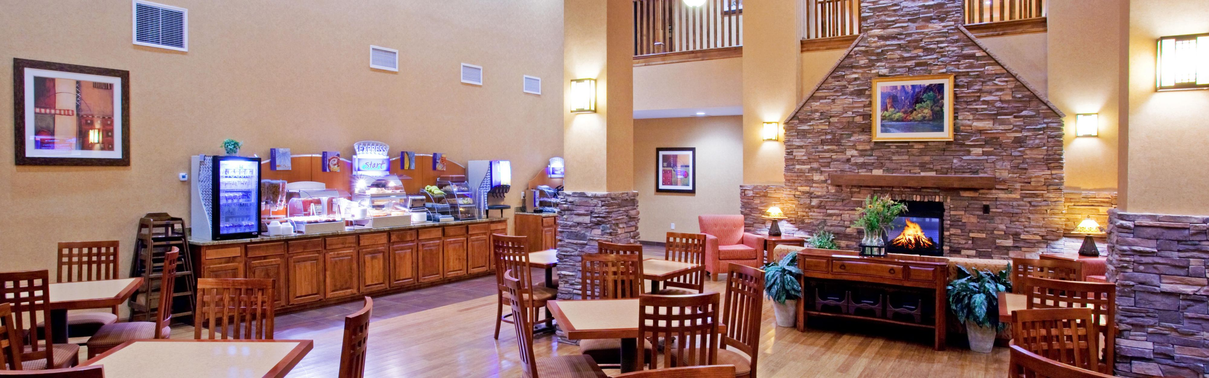 Holiday Inn Express & Suites St. George North - Zion image 3